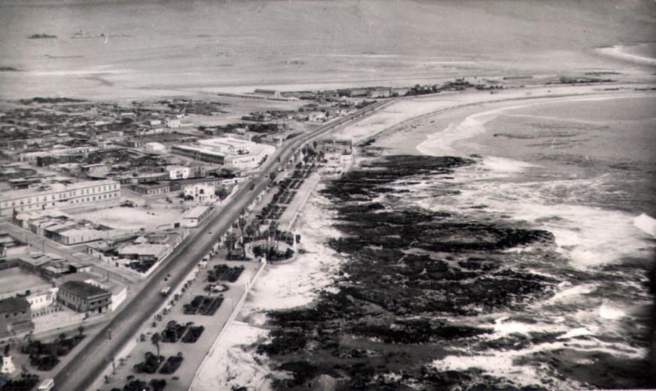 Enterreno - Fotos históricas de chile - fotos antiguas de Chile - Borde Costero de Iquique en la década de 1960.