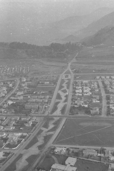 Enterreno - Fotos históricas de chile - fotos antiguas de Chile - Américo Vespucio Oriente desde el aire, 1964.