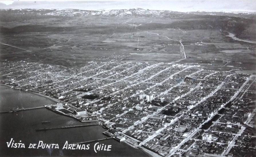 Enterreno - Fotos históricas de chile - fotos antiguas de Chile - Punta Arenas desde el aire