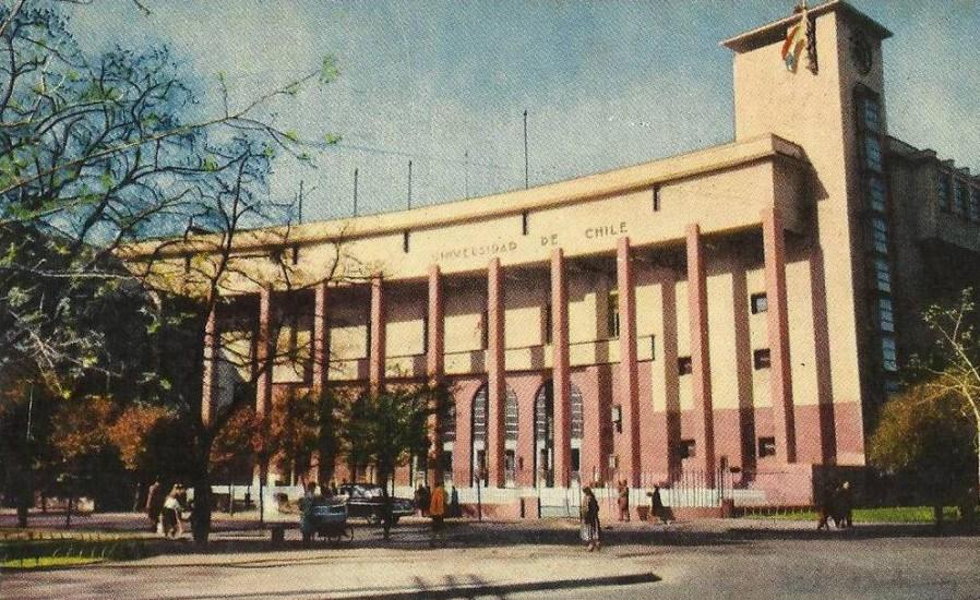Enterreno - Fotos históricas de chile - fotos antiguas de Chile - Escuela de Derecho de la Universidad de Chile, al parecer en los '70s.