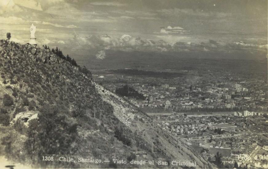 Enterreno - Fotos históricas de chile - fotos antiguas de Chile - Cerro San Cristobal y Santiago desde el aire  en 1957
