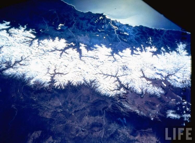 Enterreno - Fotos históricas de chile - fotos antiguas de Chile - Vista area de Chile  y su cordillera en 1988