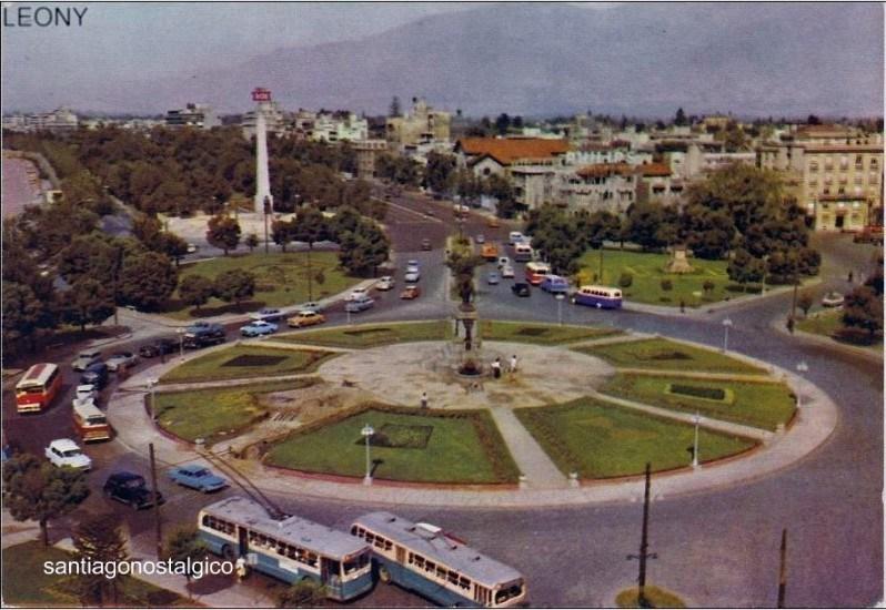Enterreno - Fotos históricas de chile - fotos antiguas de Chile - Plaza Baquedano en los  60´s