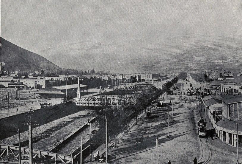 Enterreno - Fotos históricas de chile - fotos antiguas de Chile - Río Mapocho alrededor de 1920