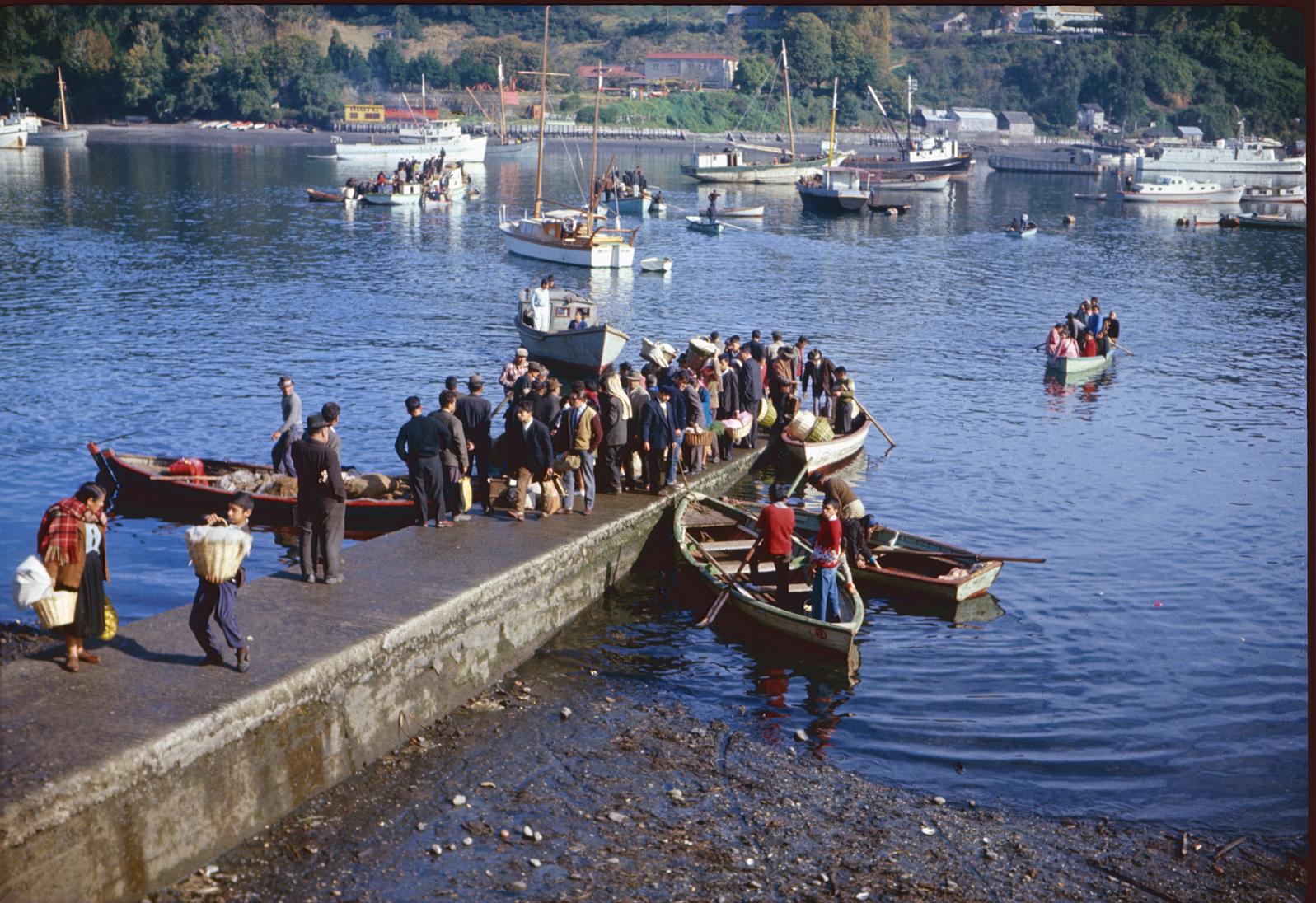 Enterreno - Fotos históricas de chile - fotos antiguas de Chile - Angelmó, Puerto Montt en los años 60s