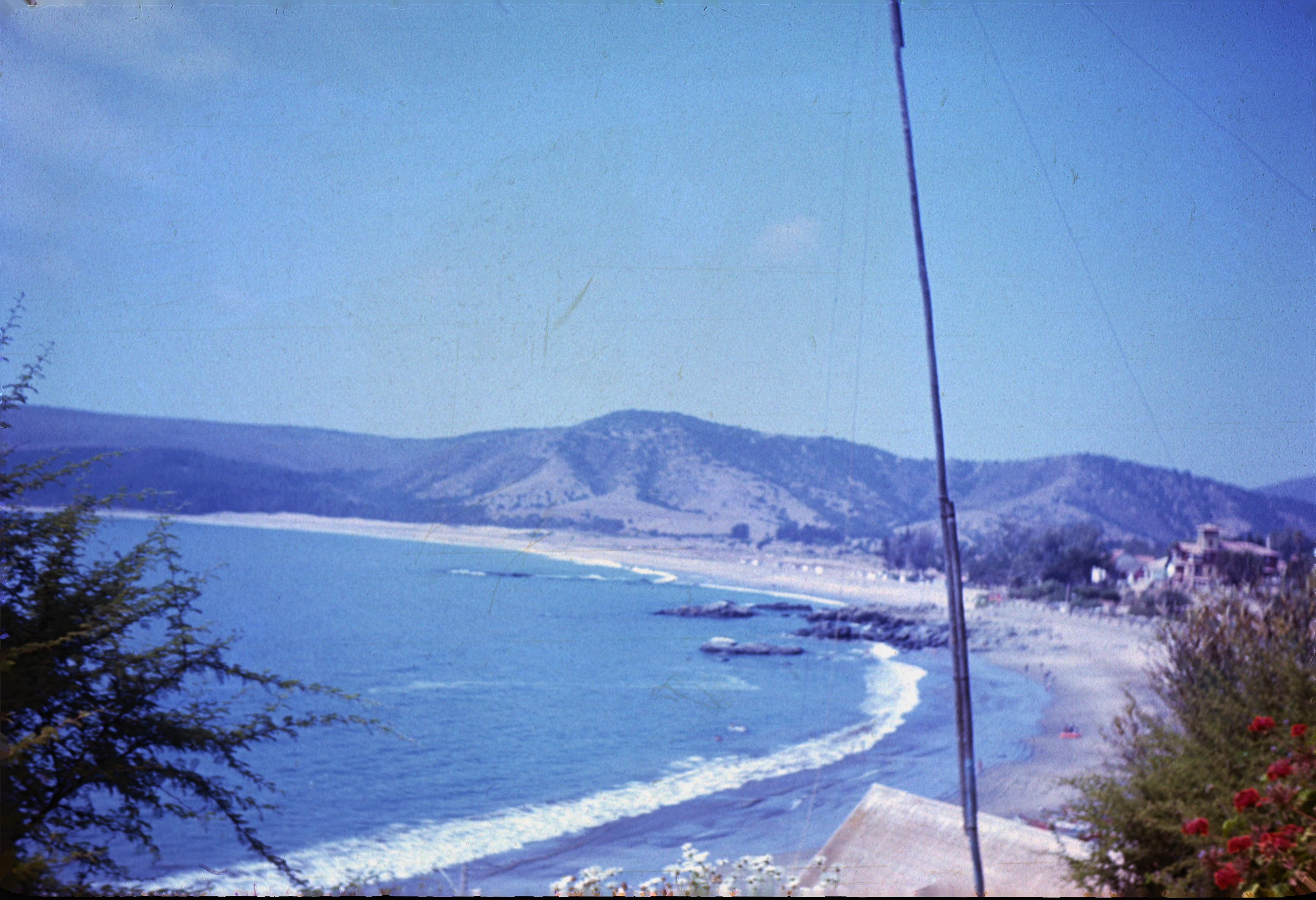 Enterreno - Fotos históricas de chile - fotos antiguas de Chile - Bahía de Papudo en 1971