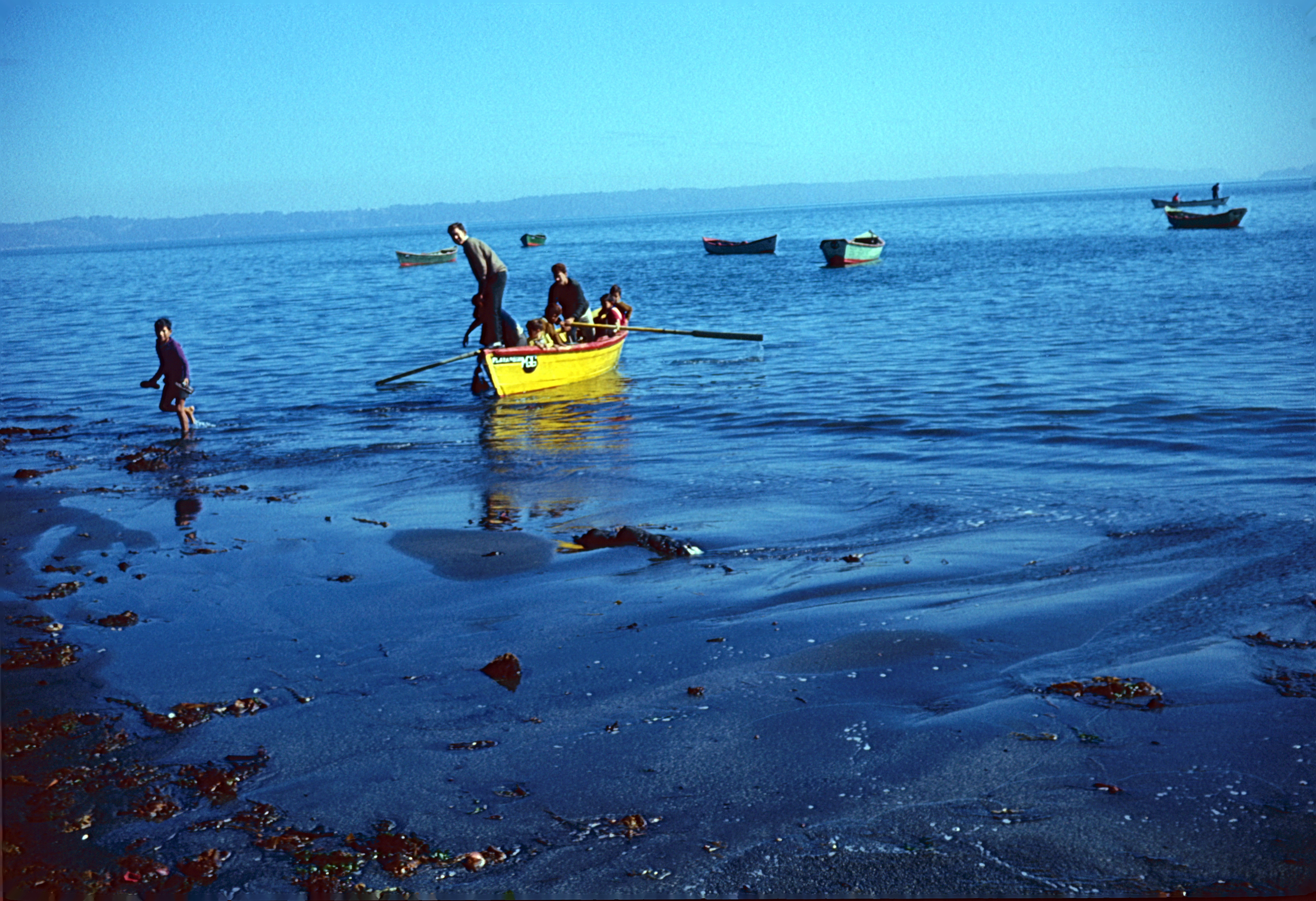 Enterreno - Fotos históricas de chile - fotos antiguas de Chile - Puerto Montt en los años 60s.