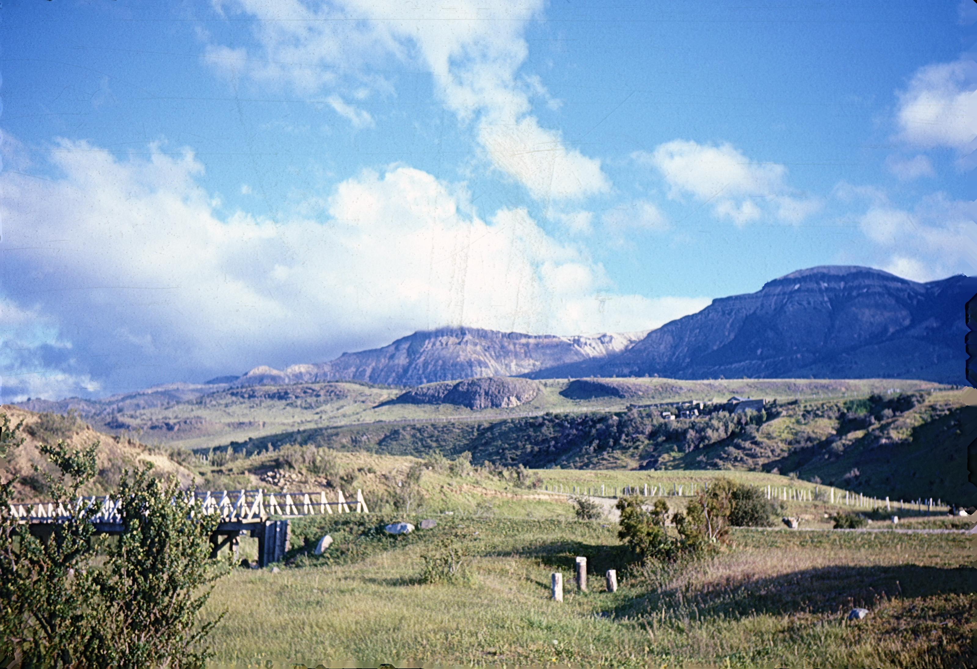 Enterreno - Fotos históricas de chile - fotos antiguas de Chile - Algún lugar de la Región de Magallanes en los años 60s.
