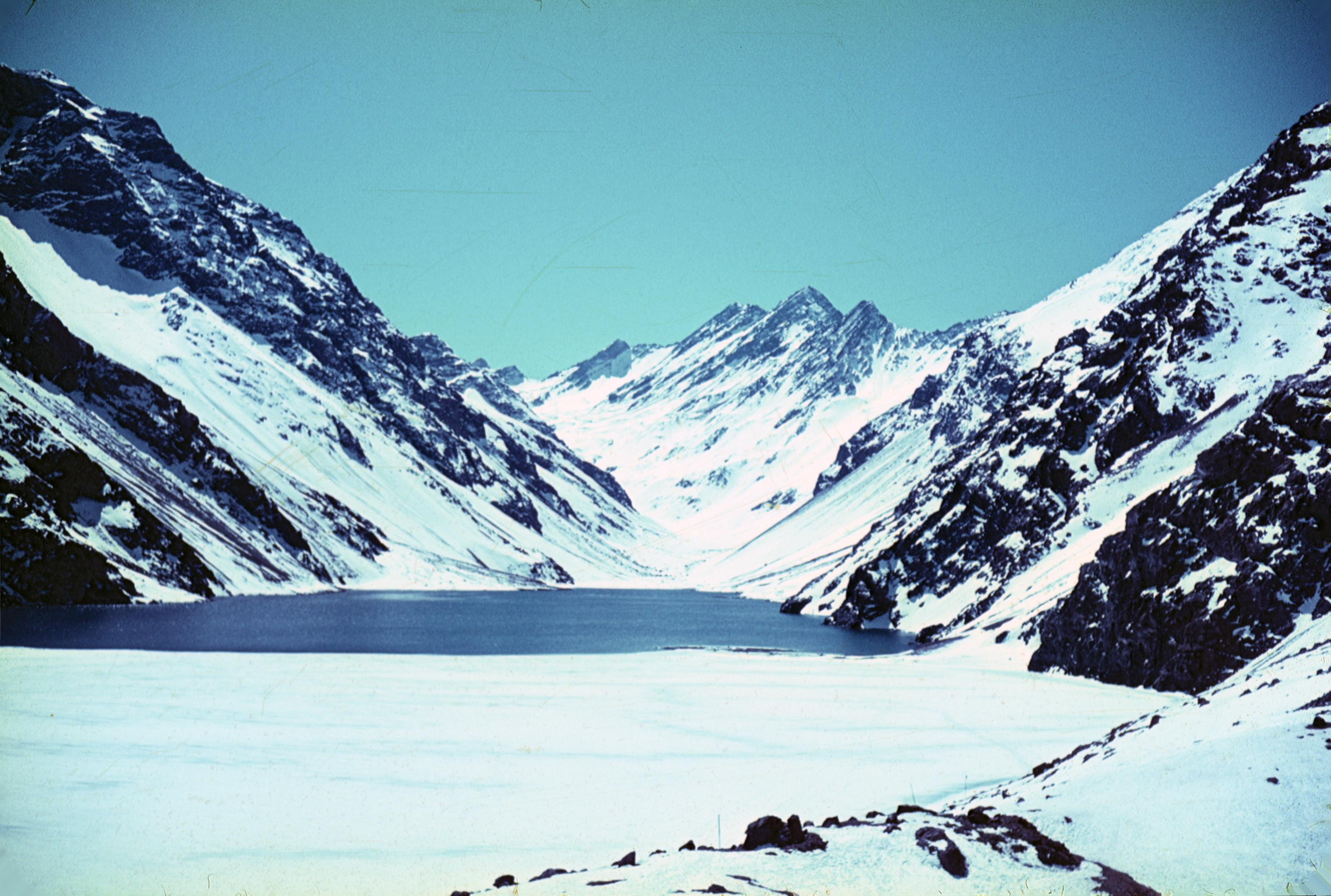 Enterreno - Fotos históricas de chile - fotos antiguas de Chile - Laguna del Inca en 1969