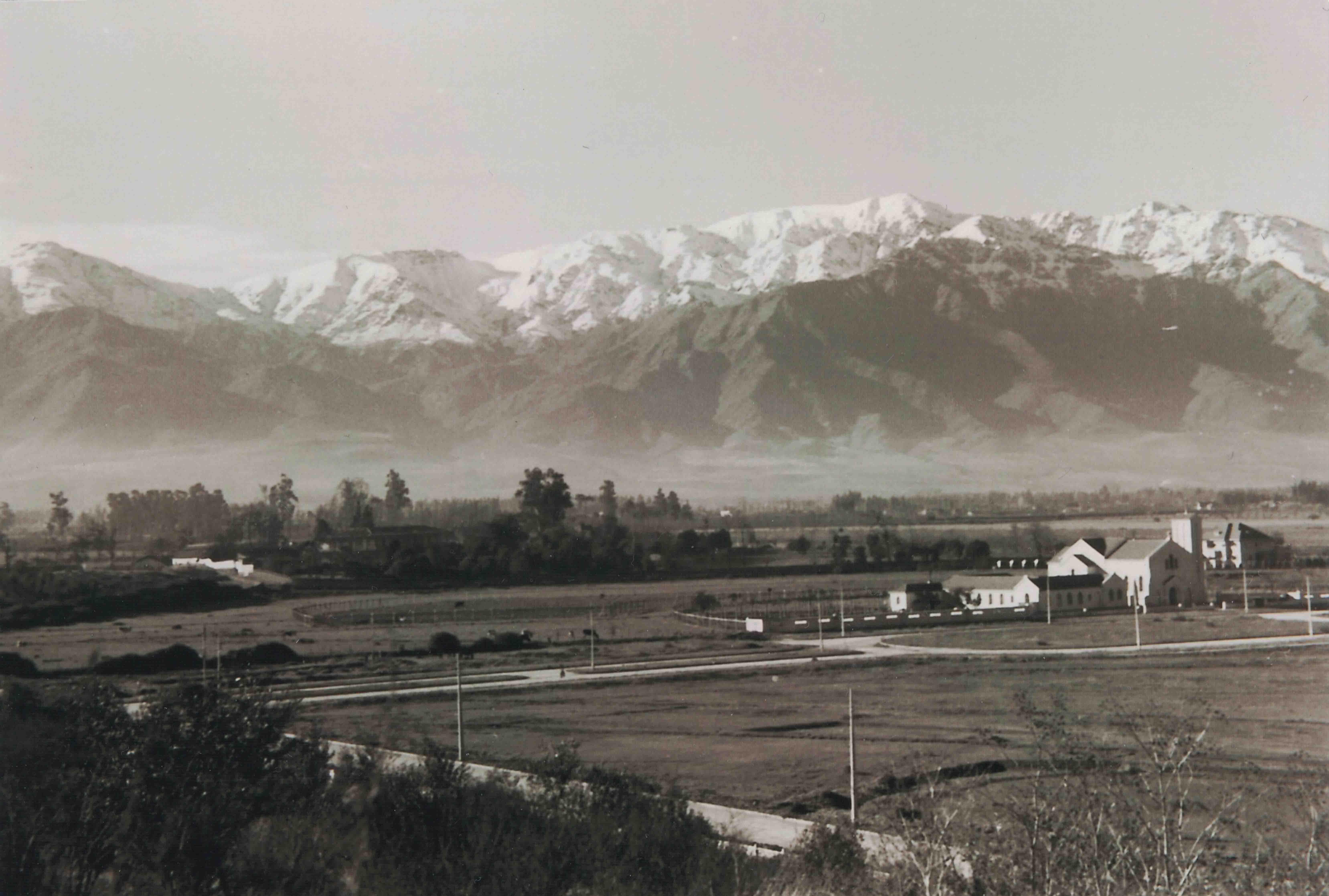 Enterreno - Fotos históricas de chile - fotos antiguas de Chile - Barrio El Golf en 1945