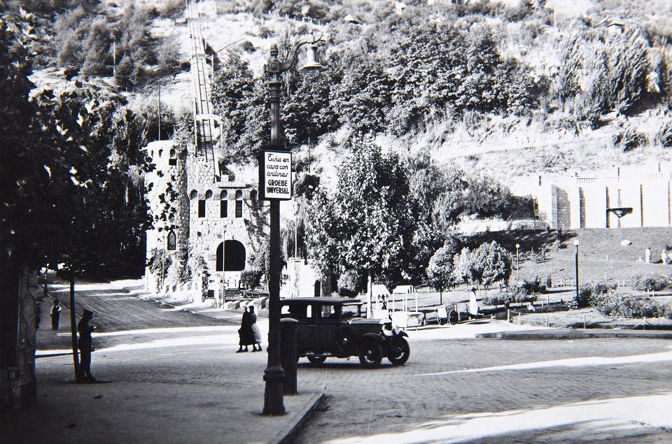 Enterreno - Fotos históricas de chile - fotos antiguas de Chile - Acceso al Cerro San Cristóbal en 1935