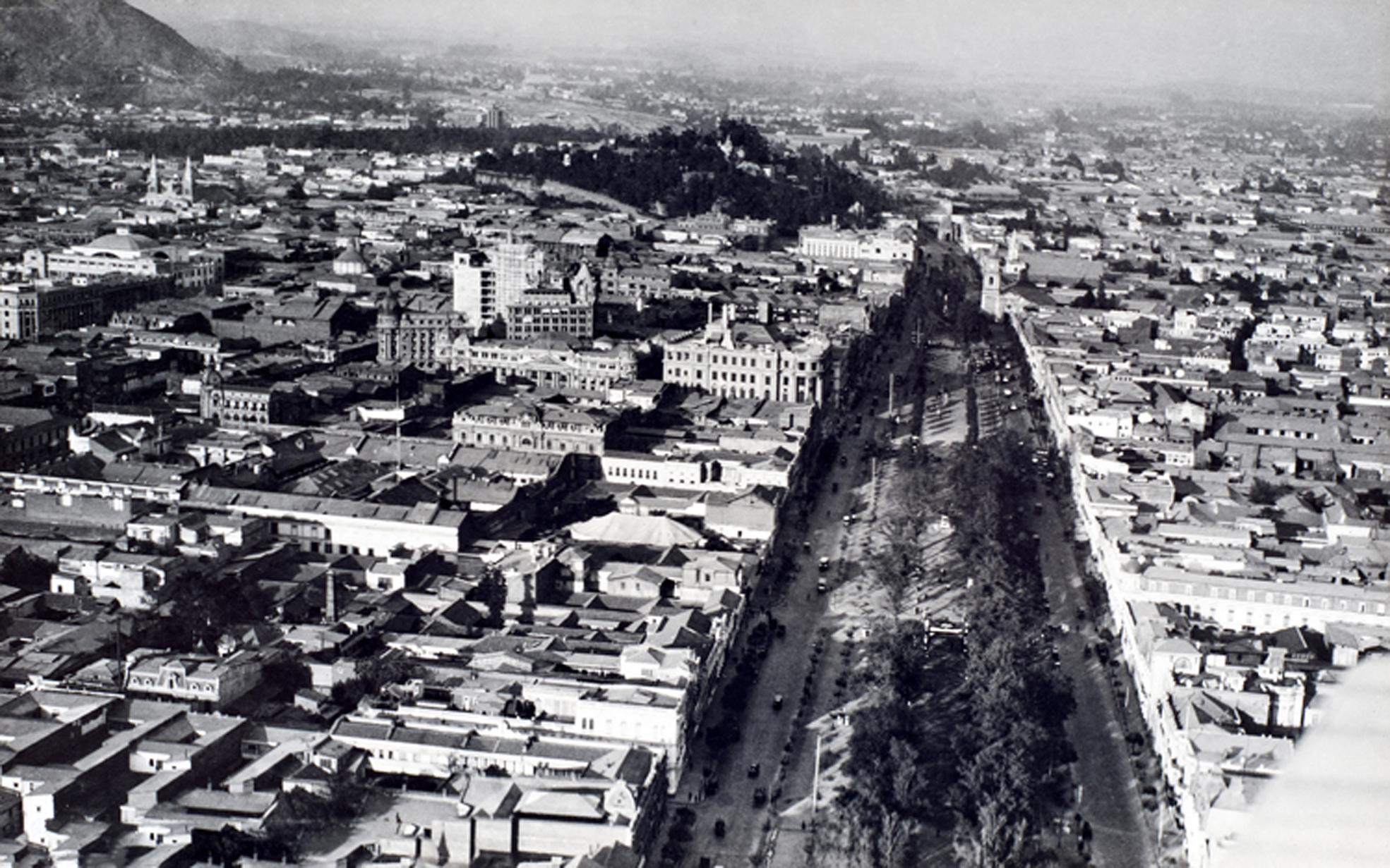 Enterreno - Fotos históricas de chile - fotos antiguas de Chile - Alameda desde el aire en 1929