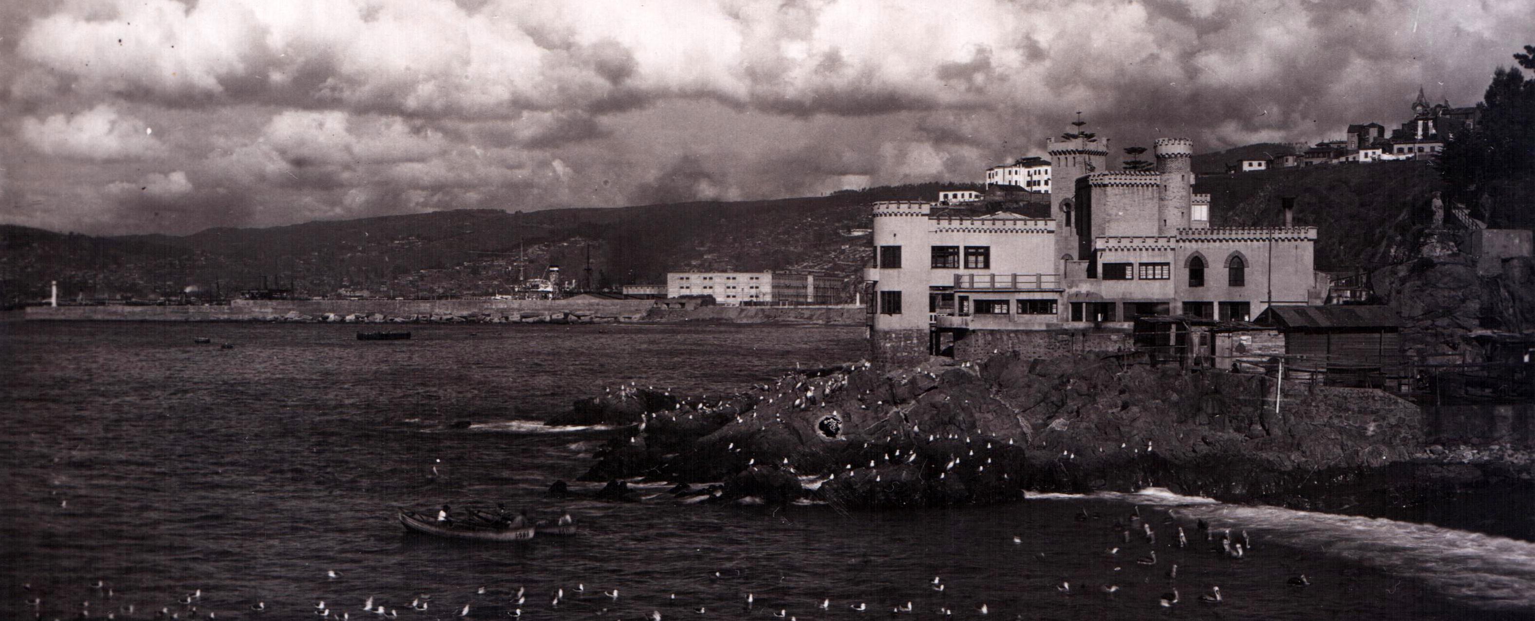 Enterreno - Fotos históricas de chile - fotos antiguas de Chile - Castillo Echaurren de Valparaíso circa. 1930