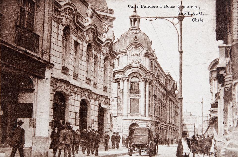 Enterreno - Fotos históricas de chile - fotos antiguas de Chile - Calle Bandera de Santiago en 1920