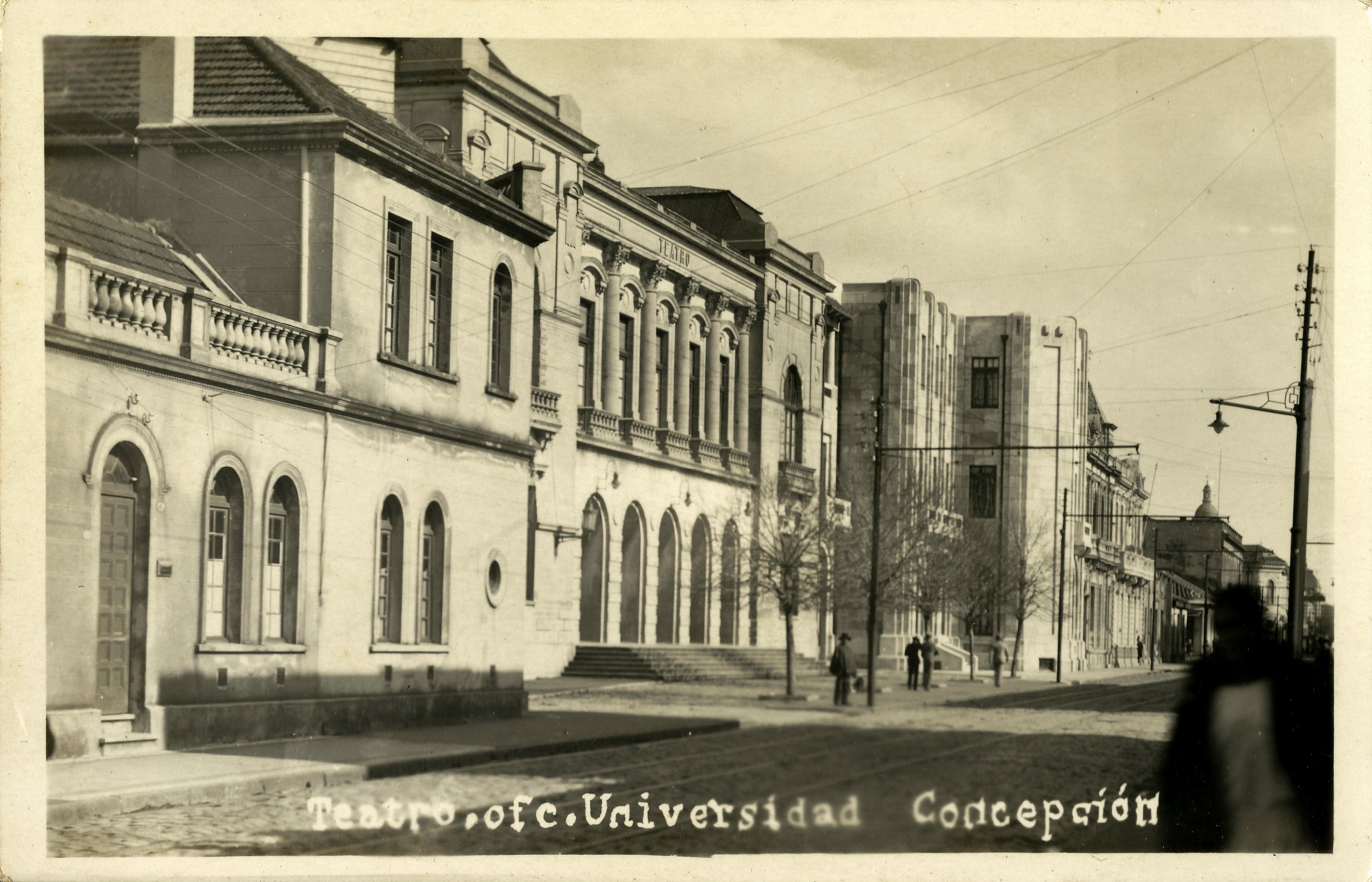 Enterreno - Fotos históricas de chile - fotos antiguas de Chile - Teatro Concepción y oficinas de la Universidad de Concepción en 1935