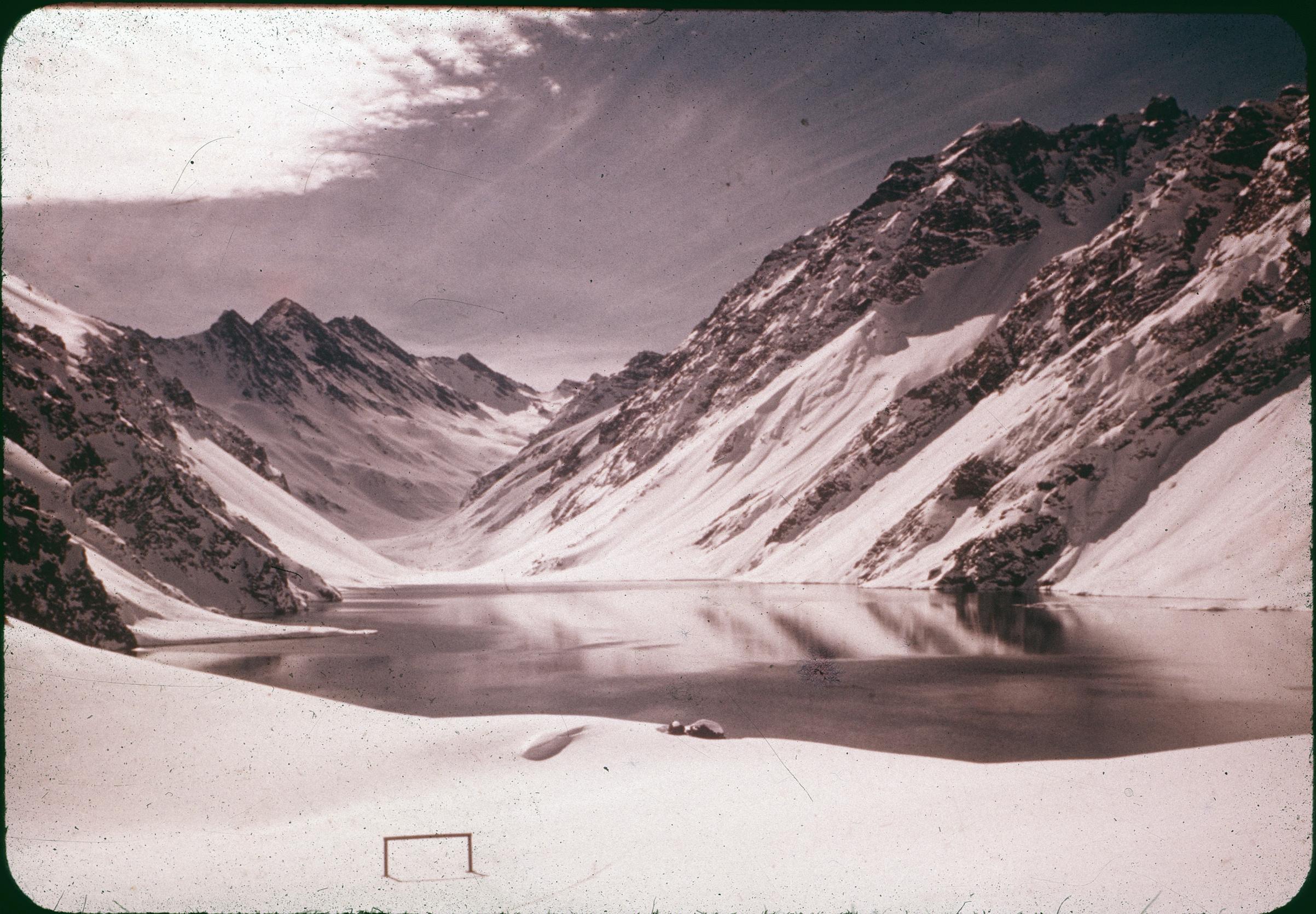 Enterreno - Fotos históricas de chile - fotos antiguas de Chile - Laguna del Inca, Potillo. Años 60