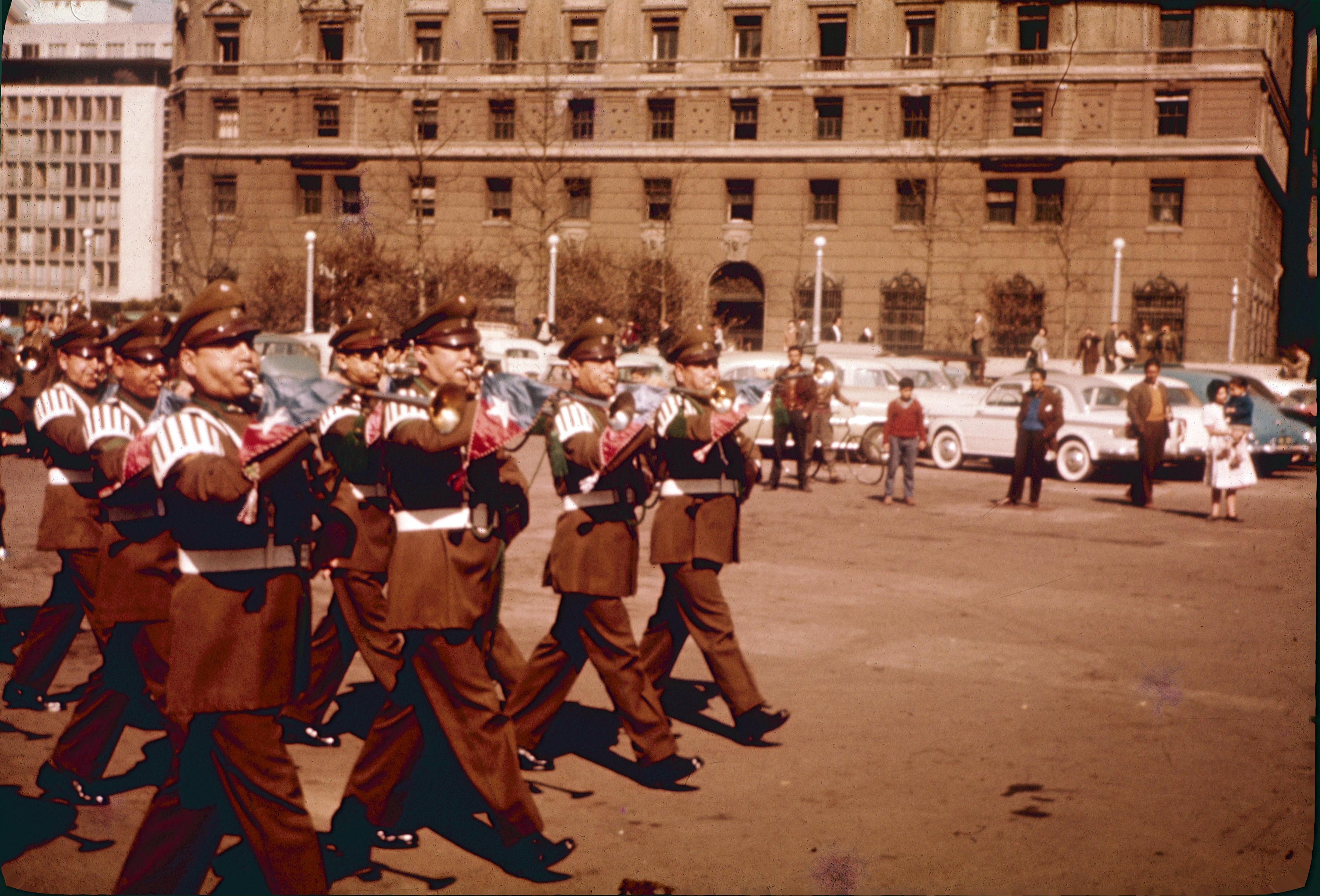 Enterreno - Fotos históricas de chile - fotos antiguas de Chile - Barrio Cívico en los sesenta