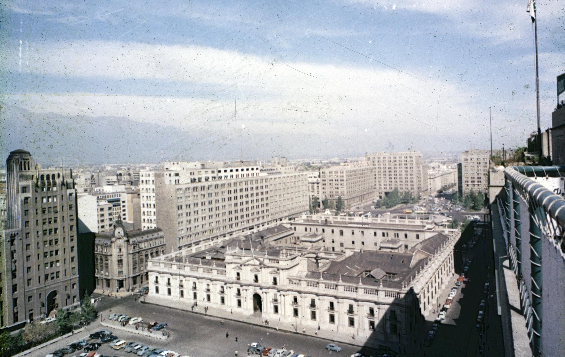 Enterreno - Fotos históricas de chile - fotos antiguas de Chile - Palacio de La Moneda en los años 60´s