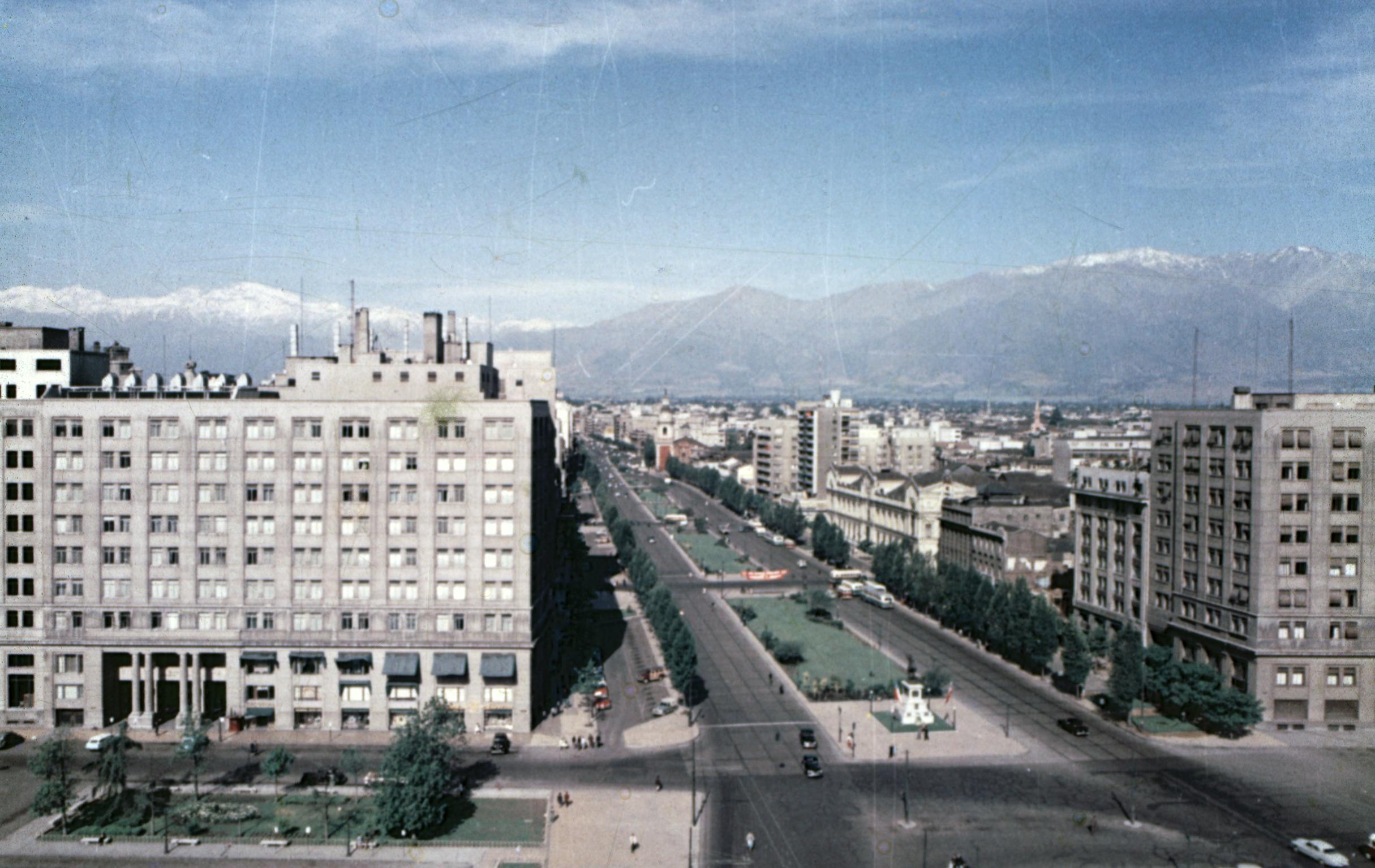 Enterreno - Fotos históricas de chile - fotos antiguas de Chile - Barrio Cívico en 1960