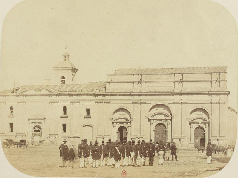 Enterreno - Fotos históricas de chile - fotos antiguas de Chile - Catedral Metropolitana de Santiago en 1860