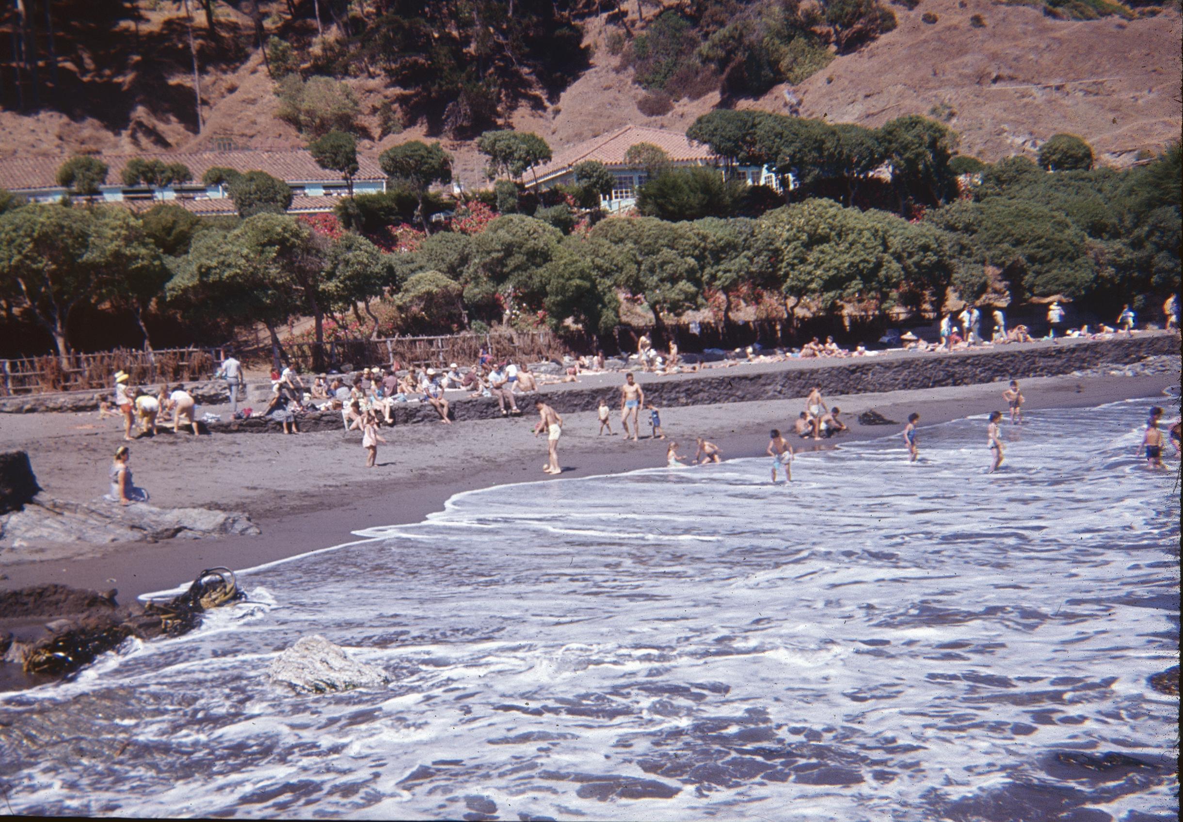 Enterreno - Fotos históricas de chile - fotos antiguas de Chile - Balneario de Llico, 60s
