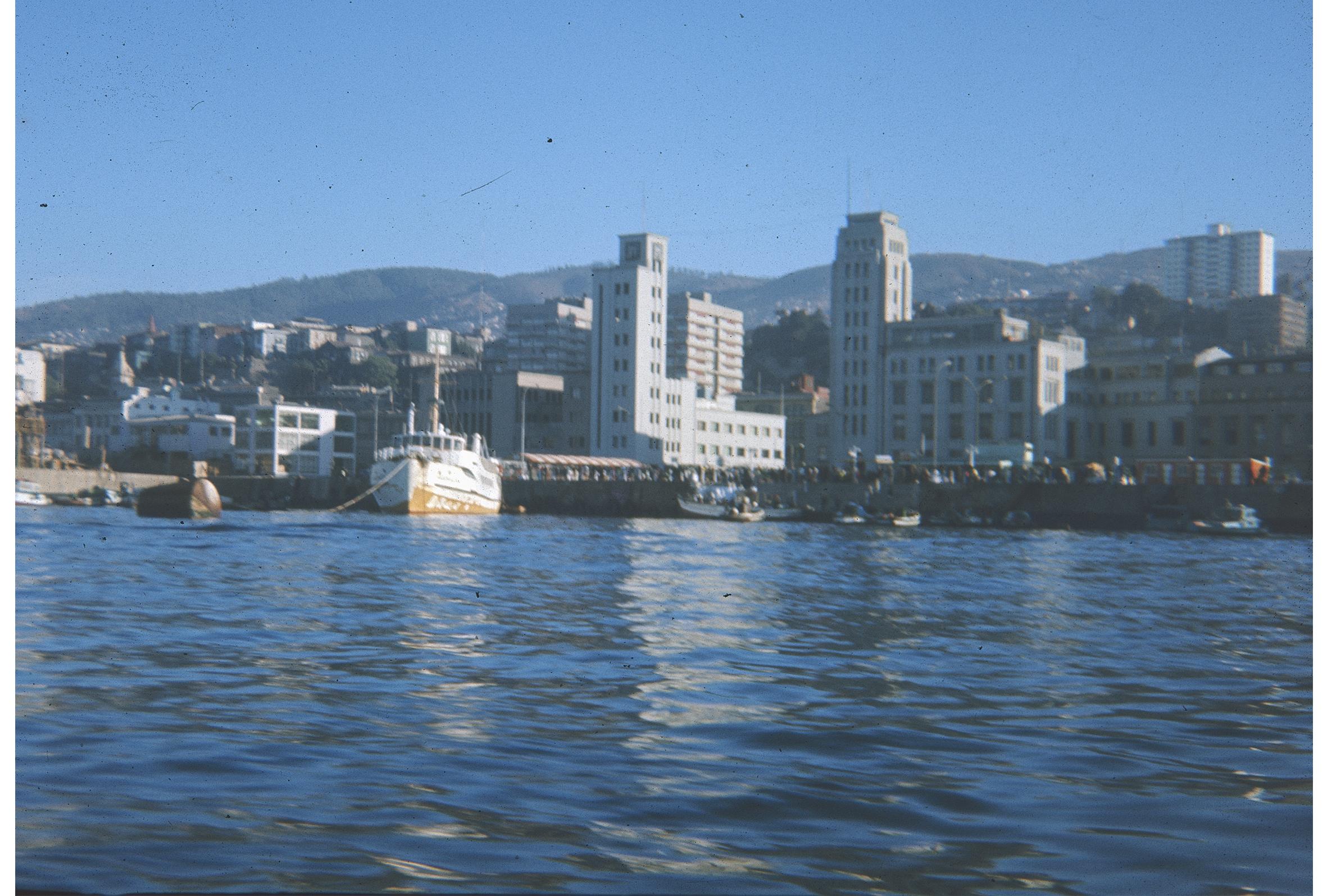 Enterreno - Fotos históricas de chile - fotos antiguas de Chile - Muelle Prat, puerto de Valparaíso