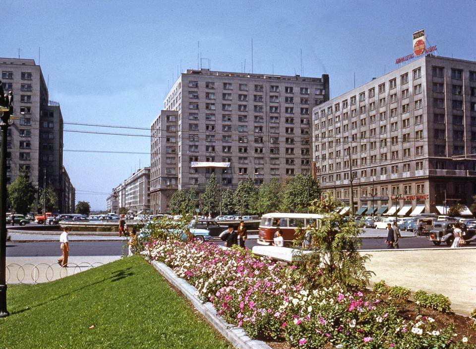 Enterreno - Fotos históricas de chile - fotos antiguas de Chile - Plaza Bulnes, Barrio Cívico de Santiago 1959