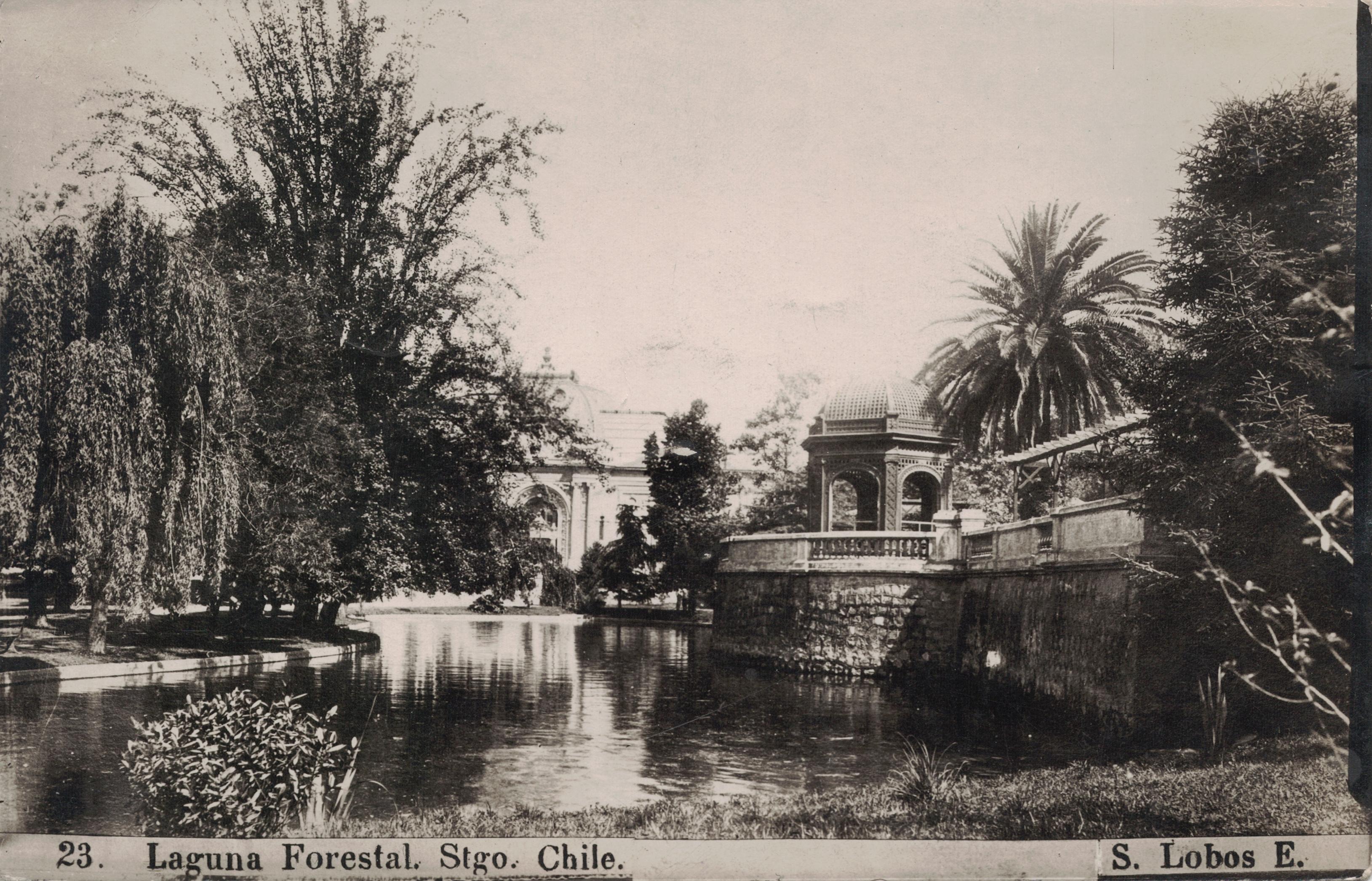 Enterreno - Fotos históricas de chile - fotos antiguas de Chile - Laguna Parque Forestal, 1918