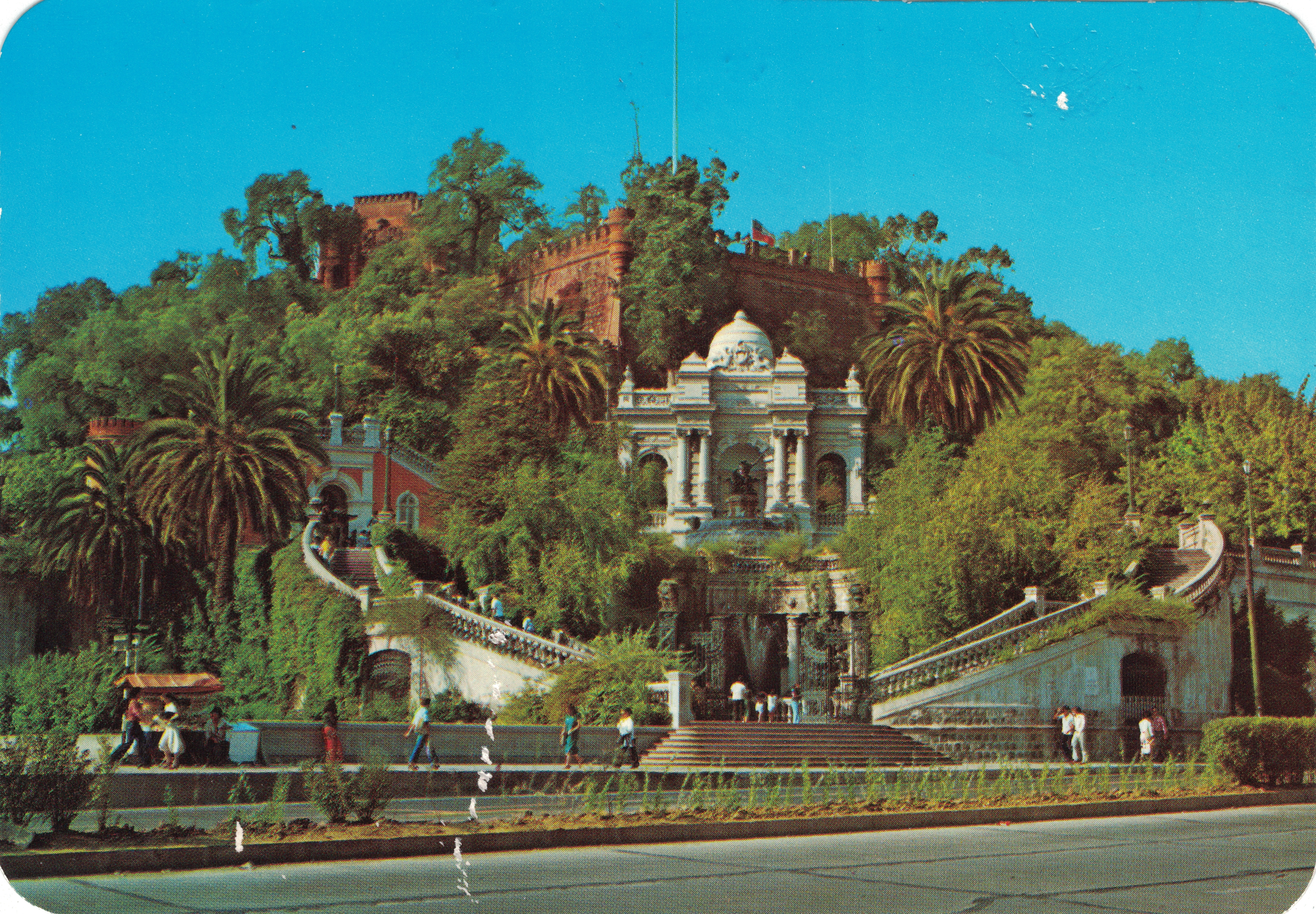 Enterreno - Fotos históricas de chile - fotos antiguas de Chile - Cerro Santa Lucía, años 80'