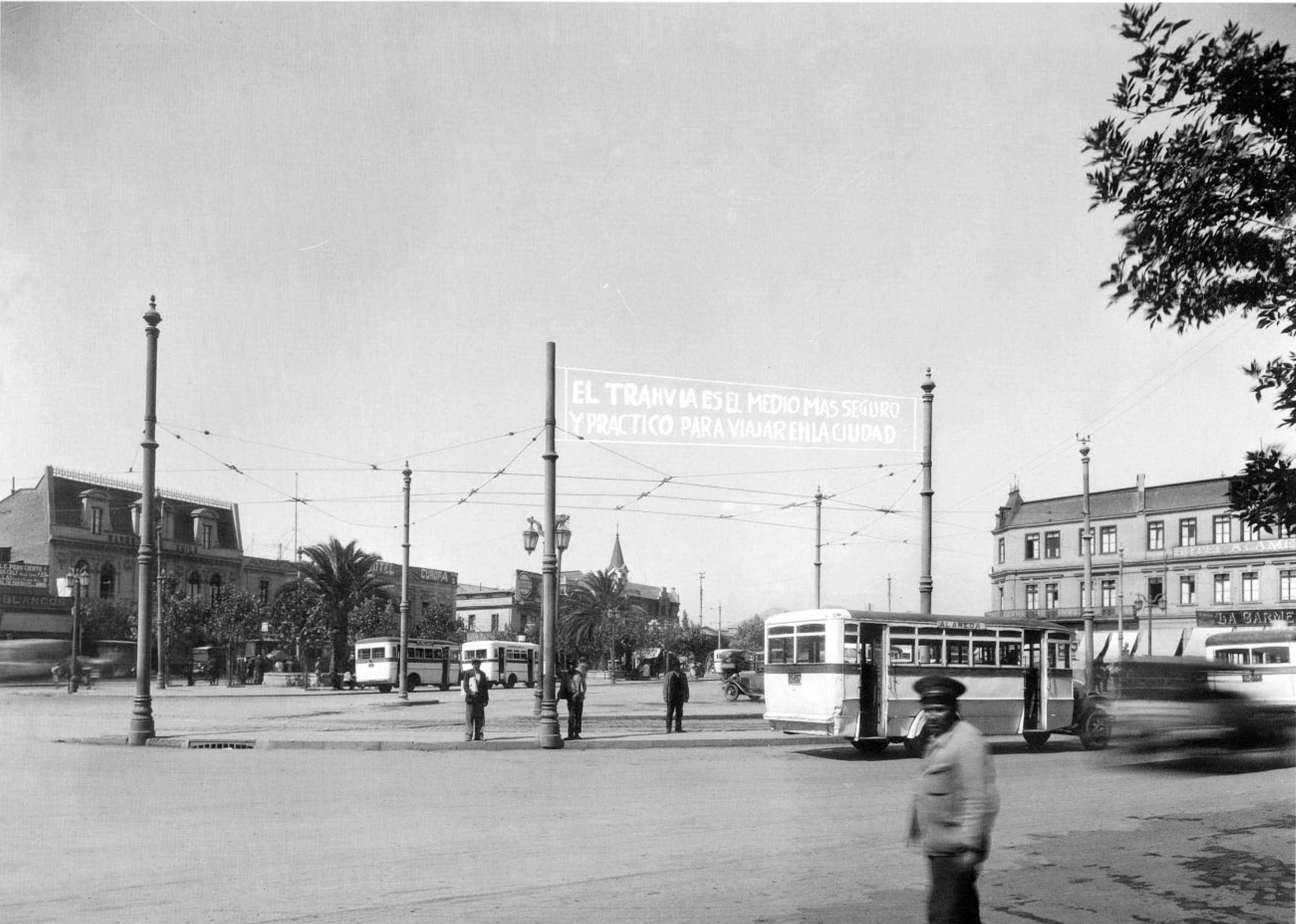Enterreno - Fotos históricas de chile - fotos antiguas de Chile - Alameda desde Estación Central, 1931