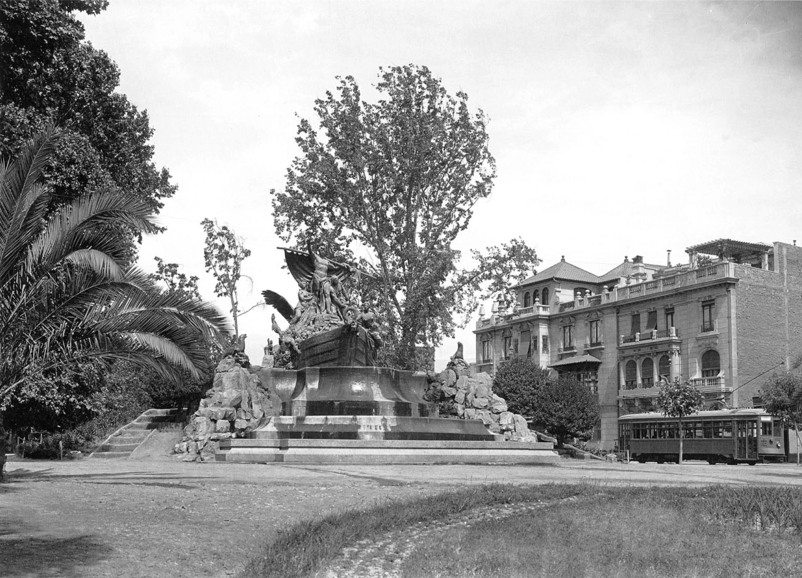 Enterreno - Fotos históricas de chile - fotos antiguas de Chile - Fuente Alemana de Santiago, 1926