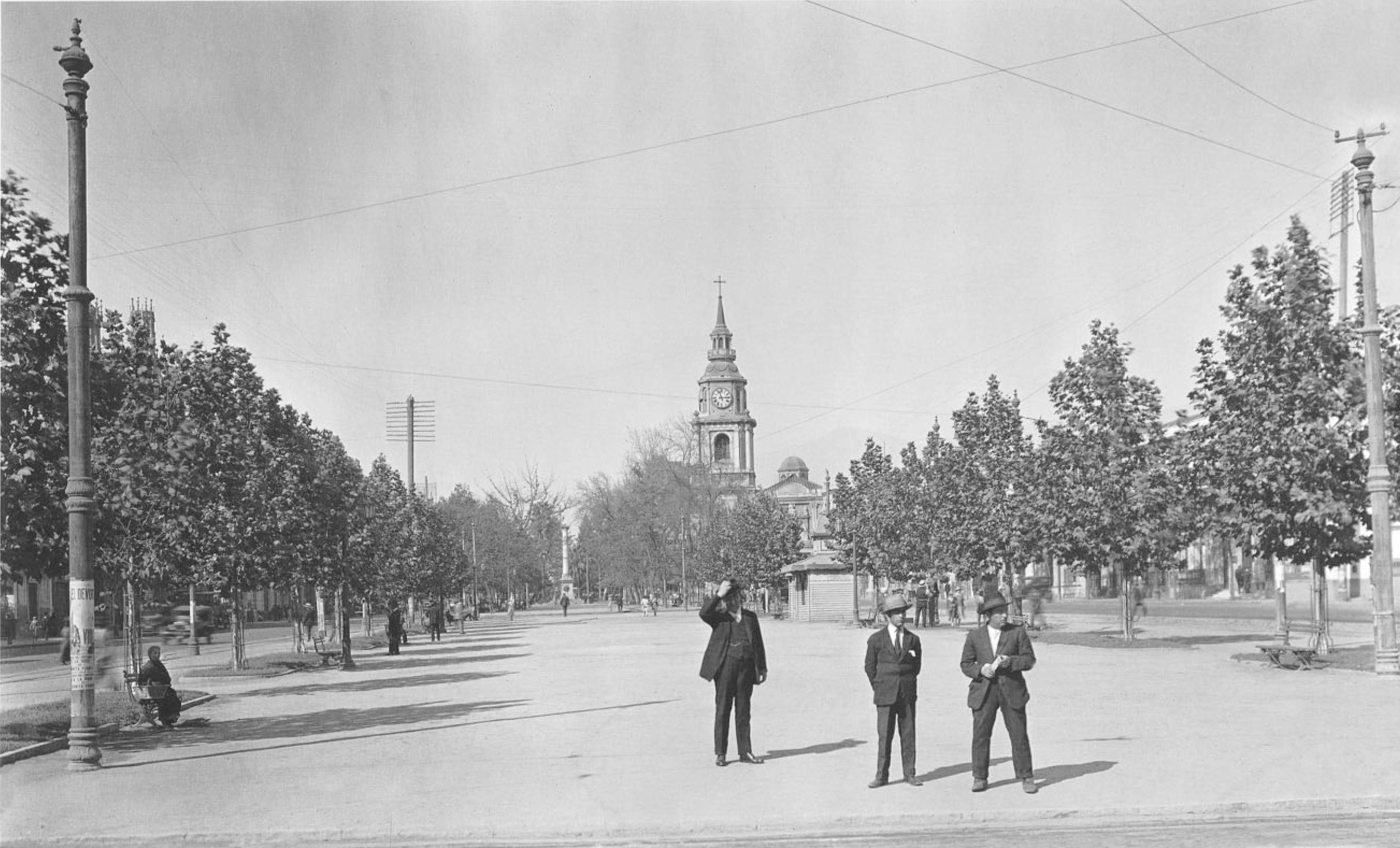 Enterreno - Fotos históricas de chile - fotos antiguas de Chile - Alameda de Santiago, 1927