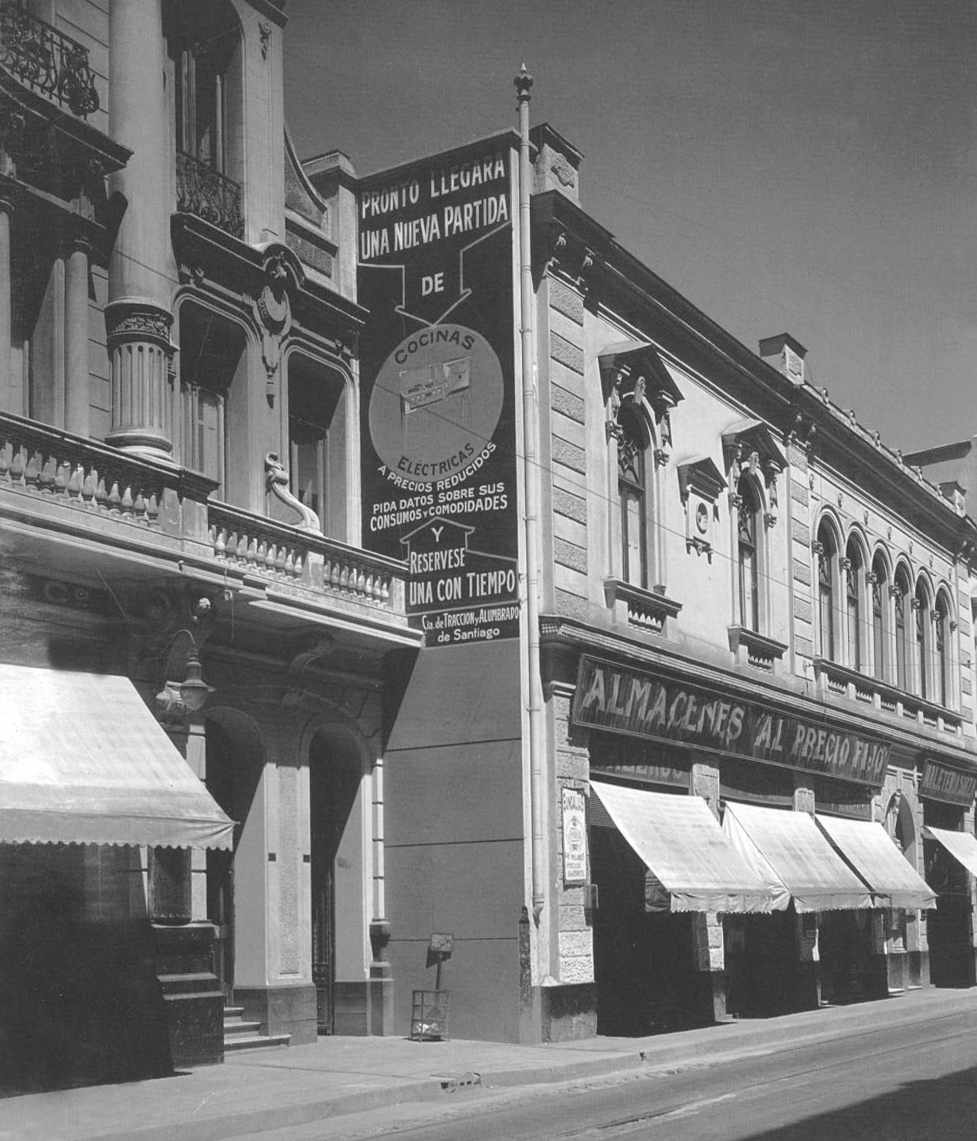 Enterreno - Fotos históricas de chile - fotos antiguas de Chile - Calle Ahumada, año 1927