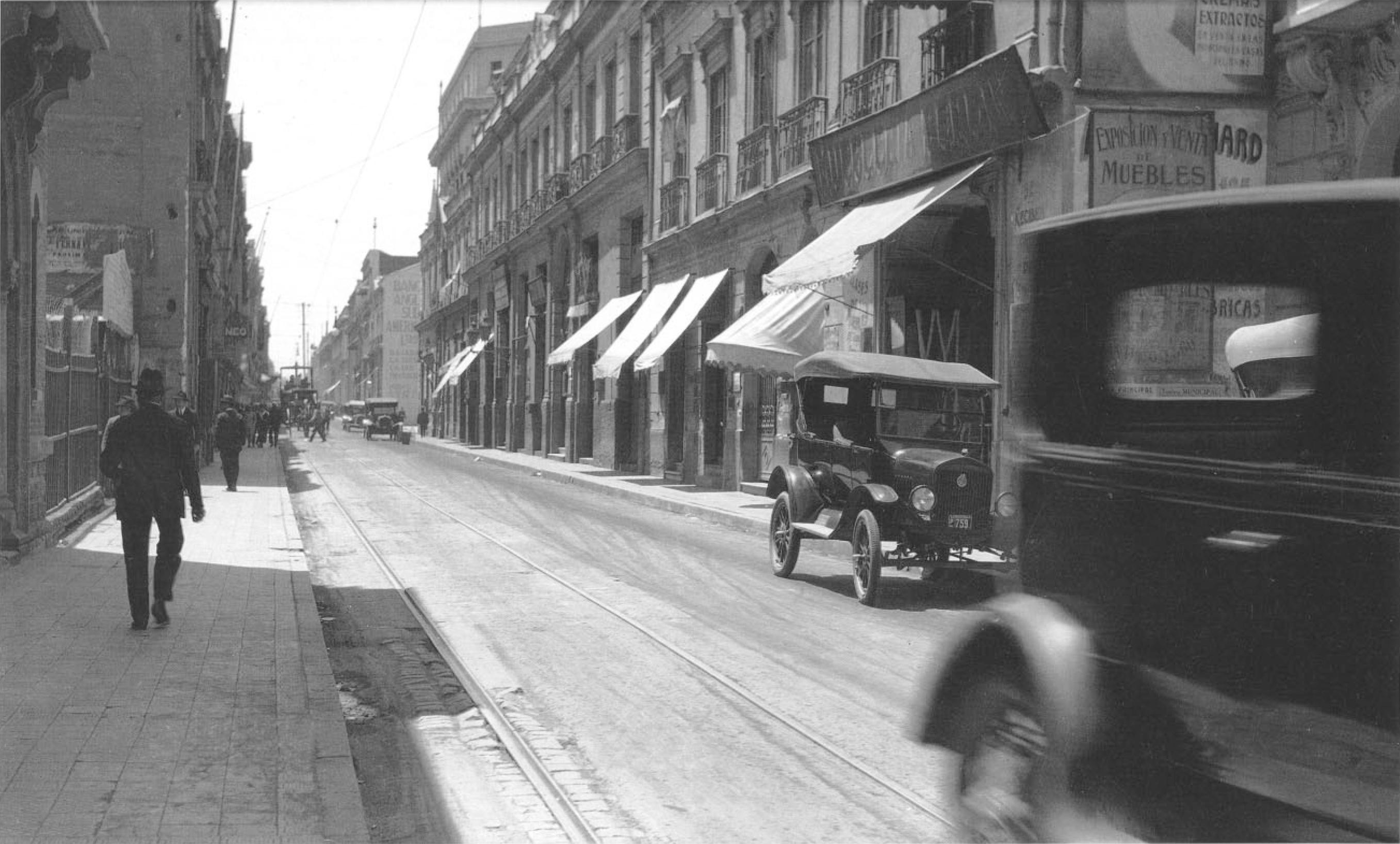 Enterreno - Fotos históricas de chile - fotos antiguas de Chile - Calle Banderas año 1924