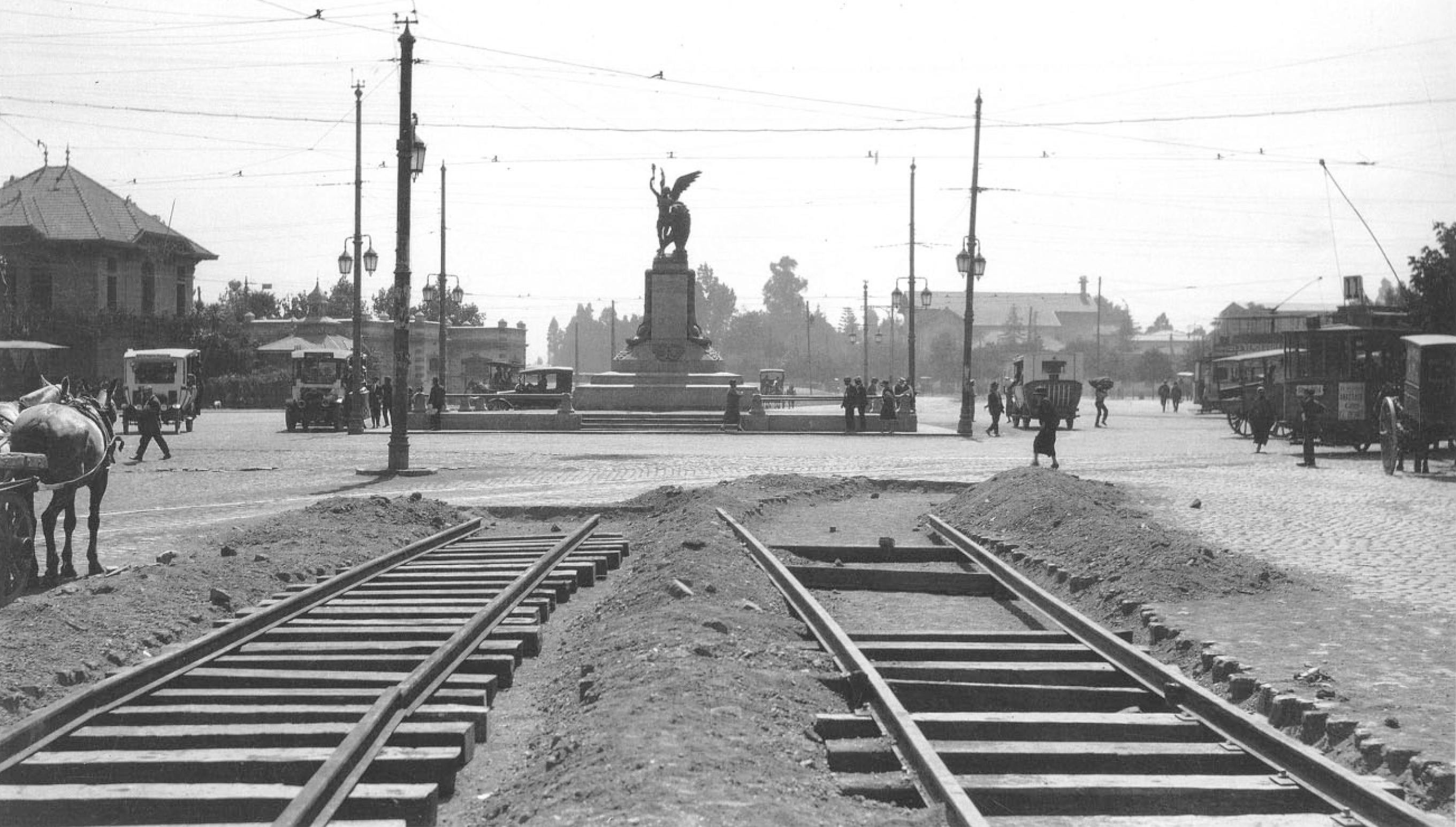 Enterreno - Fotos históricas de chile - fotos antiguas de Chile - Plaza Italia, año 1926