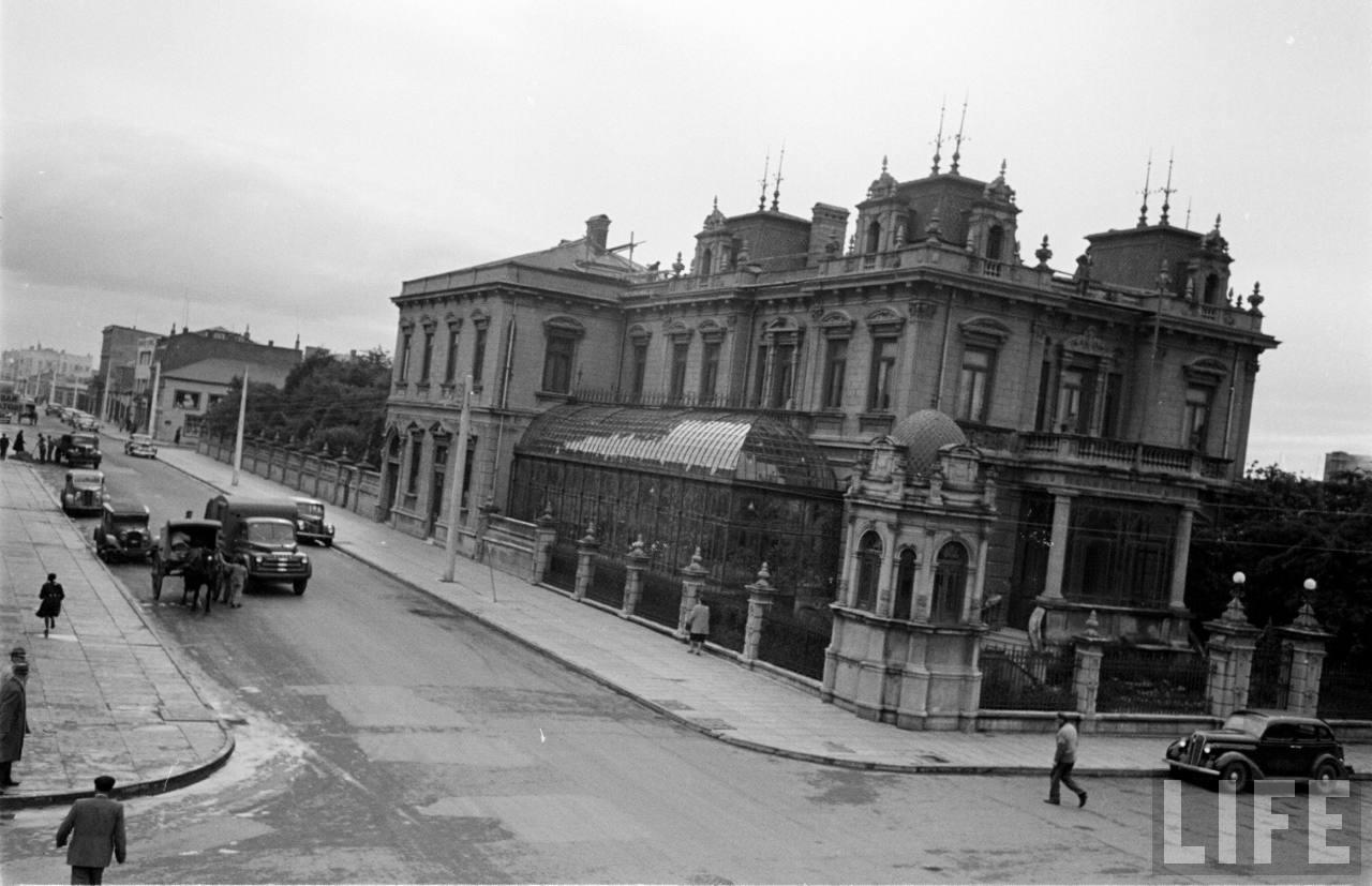 Enterreno - Fotos históricas de chile - fotos antiguas de Chile - Palacio Sara Braun de Punta Arenas en 1950