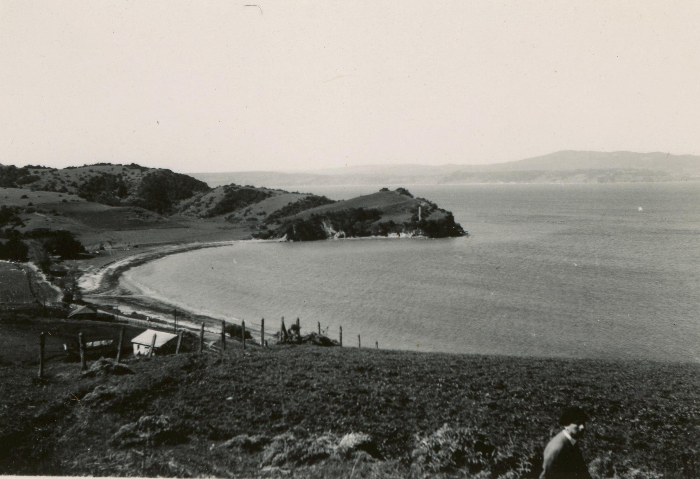 Enterreno - Fotos históricas de chile - fotos antiguas de Chile - Isla de la Quiriquina en 1949