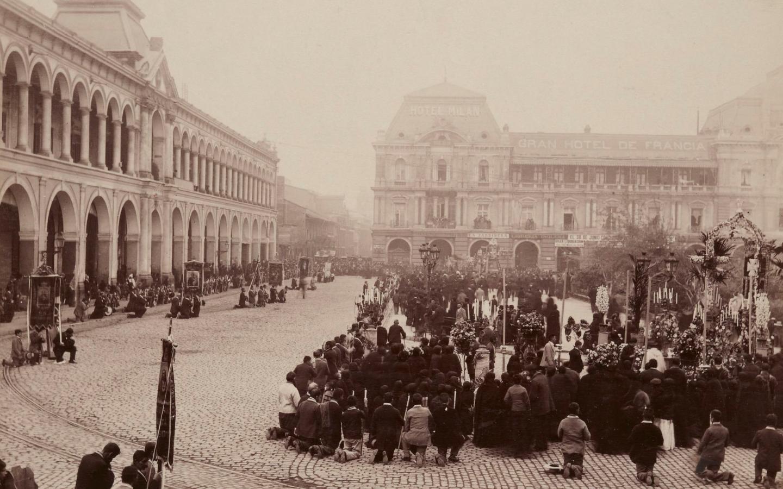 Enterreno - Fotos históricas de chile - fotos antiguas de Chile - Plaza de Armas en 1890