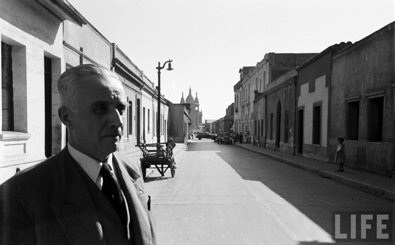 Enterreno - Fotos históricas de chile - fotos antiguas de Chile - Iglesia de Los Sacramentinos en 1950