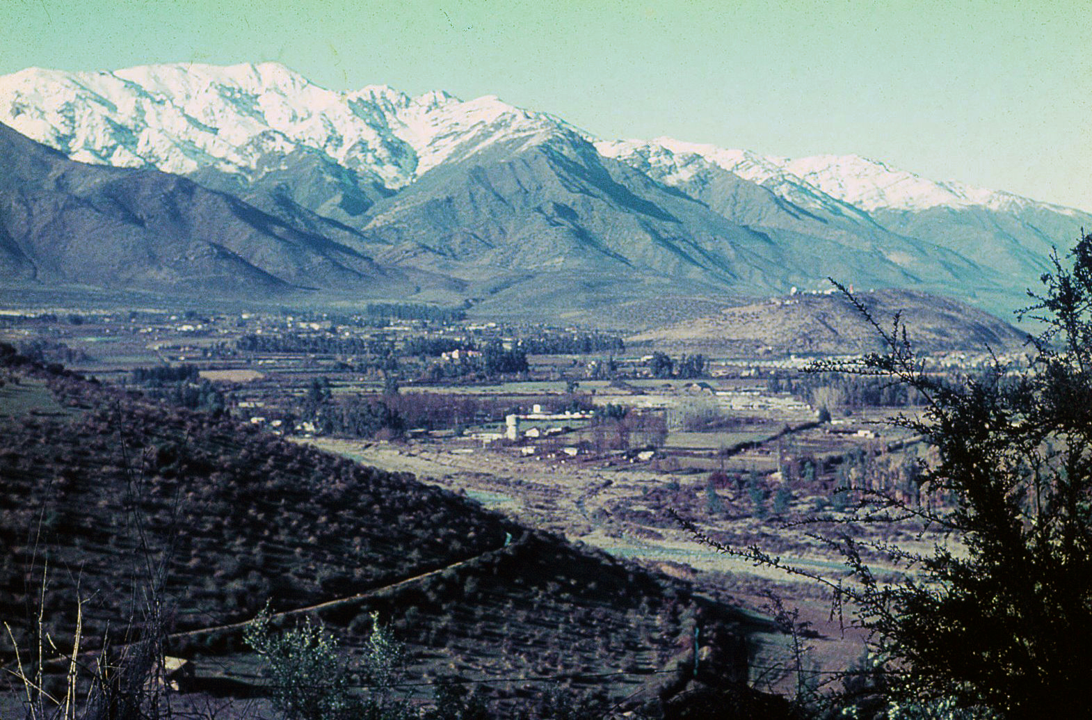 Enterreno - Fotos históricas de chile - fotos antiguas de Chile - Vitacura desde el Cerro Manquehue en 1965