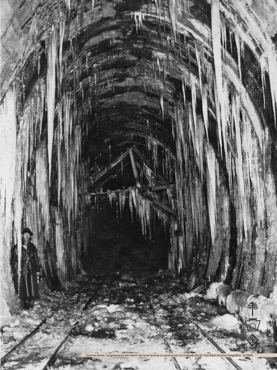 Enterreno - Fotos históricas de chile - fotos antiguas de Chile - Congelamiento del Túnel Las Raíces de Lonquimay en 1932
