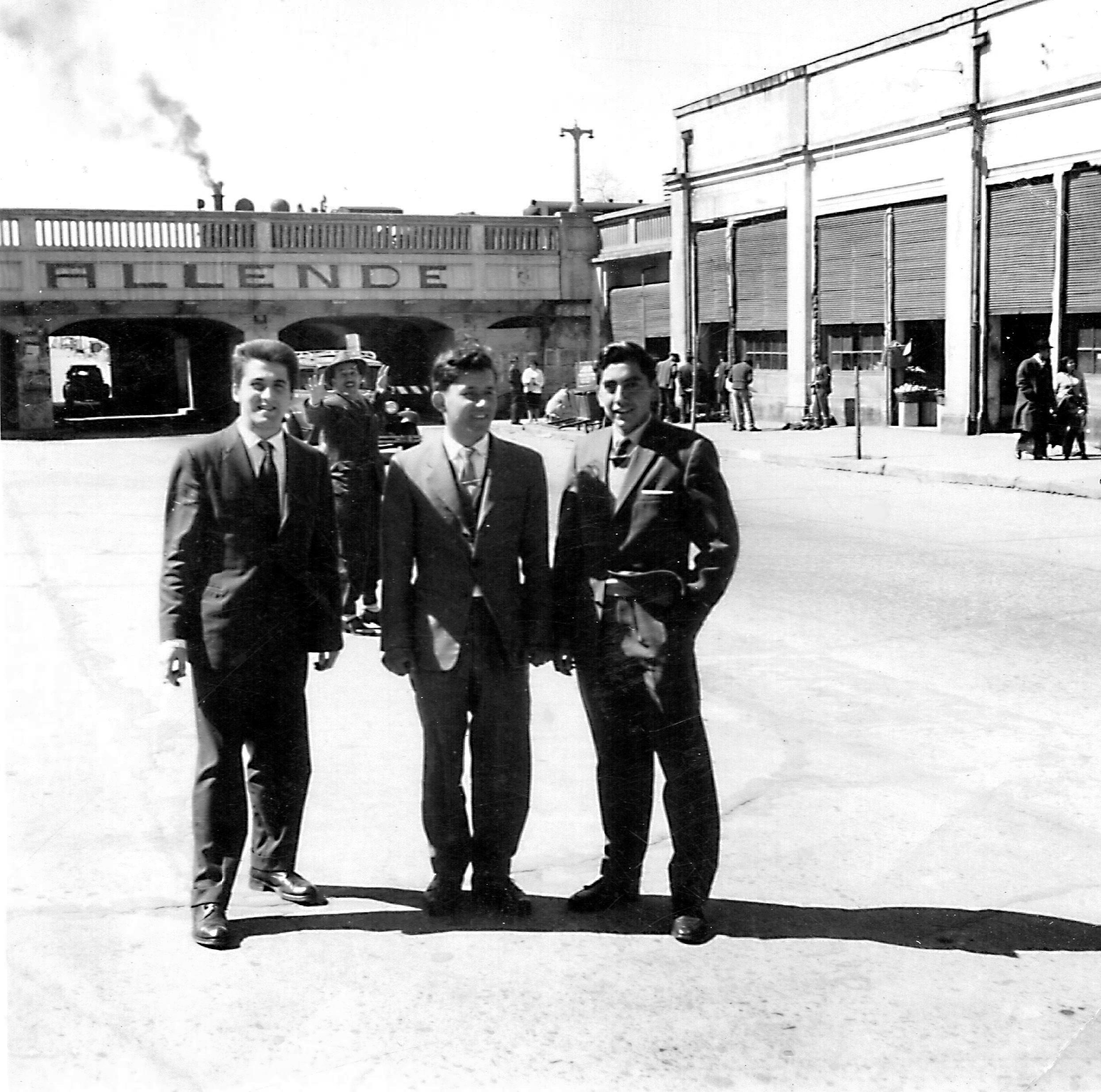 Enterreno - Fotos históricas de chile - fotos antiguas de Chile - Primavera en el centro de Talca, 1964