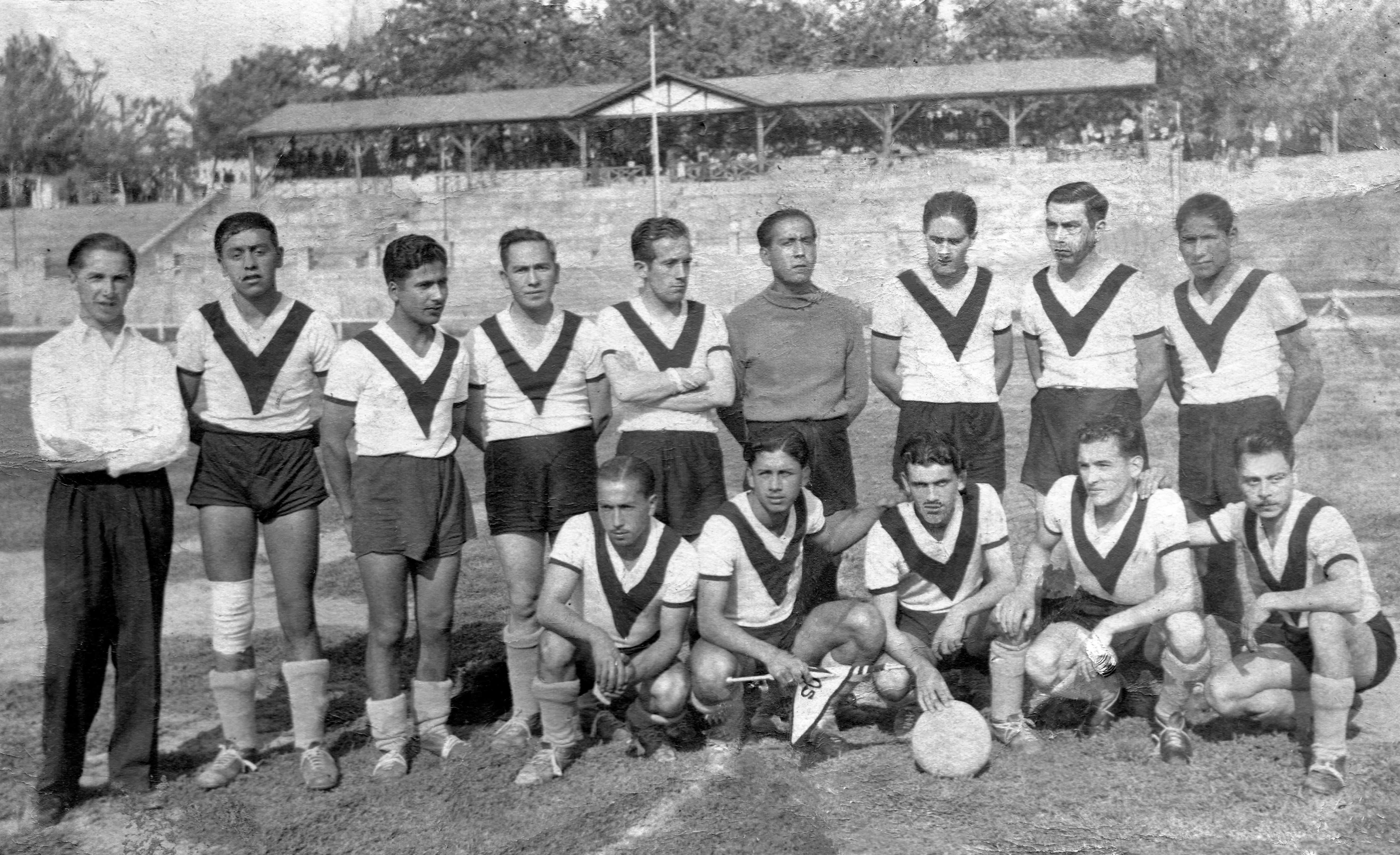 Enterreno - Fotos históricas de chile - fotos antiguas de Chile - Selección de fútbol fábrica Calaf en 1960