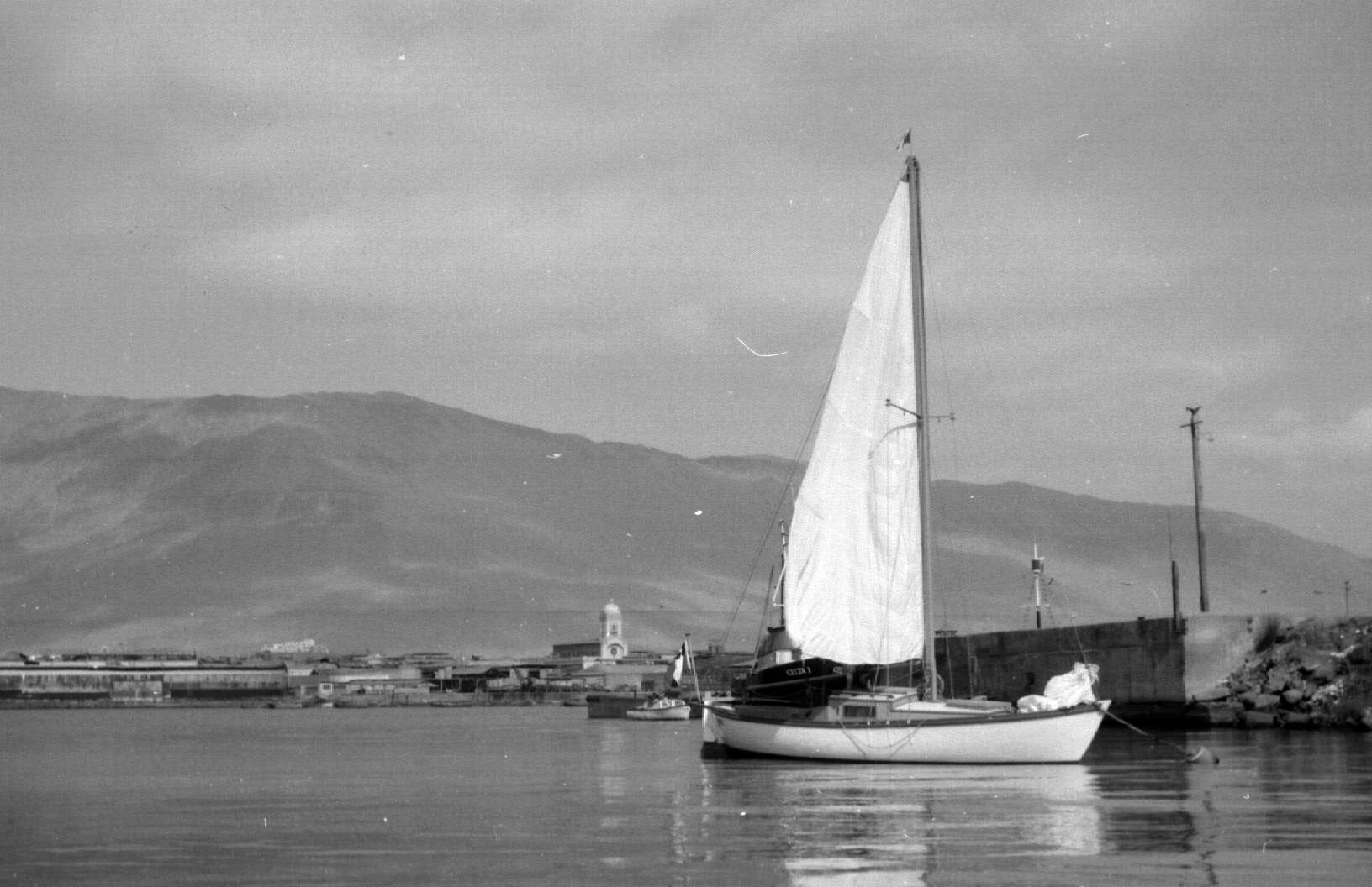 Enterreno - Fotos históricas de chile - fotos antiguas de Chile - Puerto de Iquique en 1966