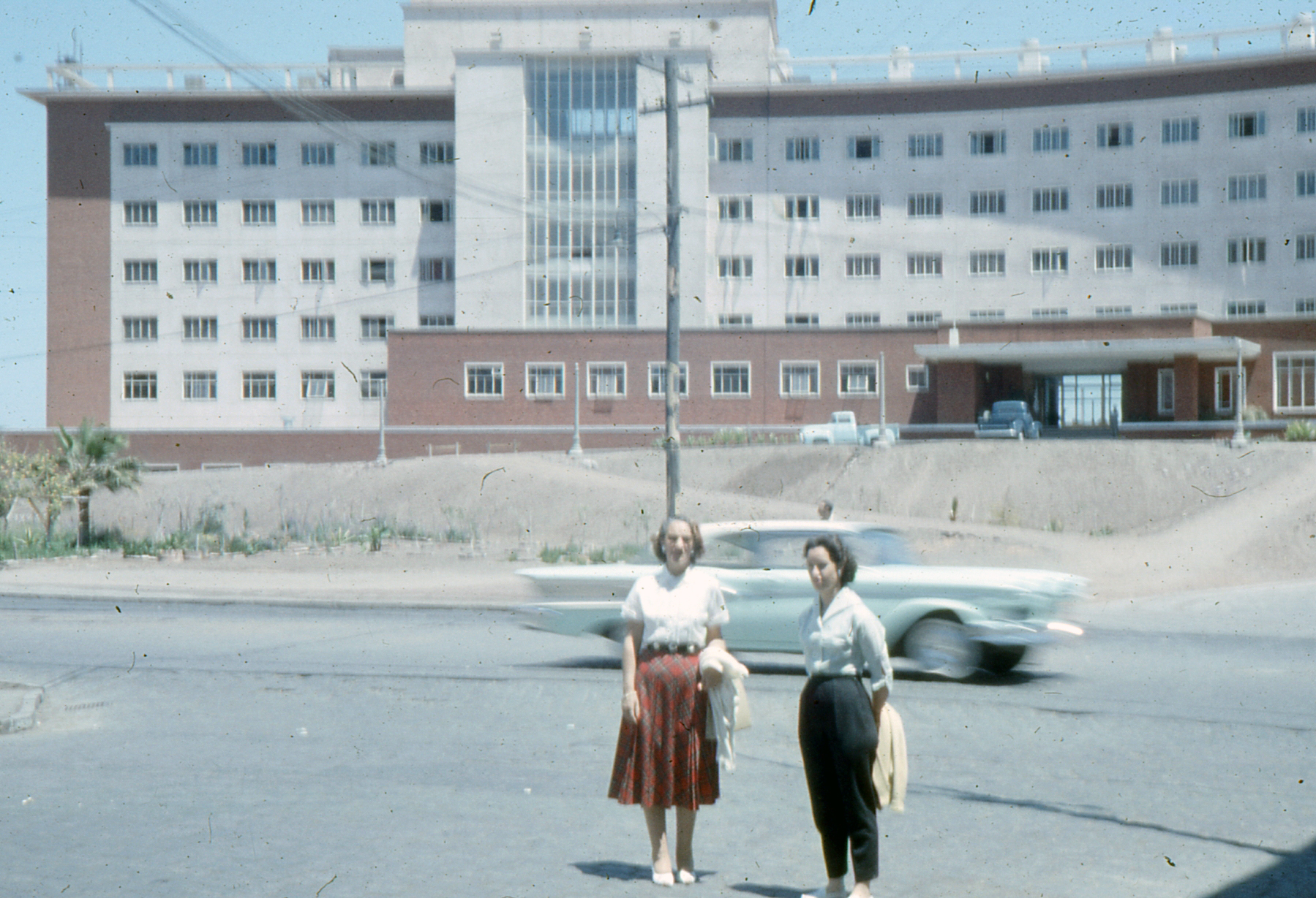 Enterreno - Fotos históricas de chile - fotos antiguas de Chile - Antofagasta Hotel en 1958
