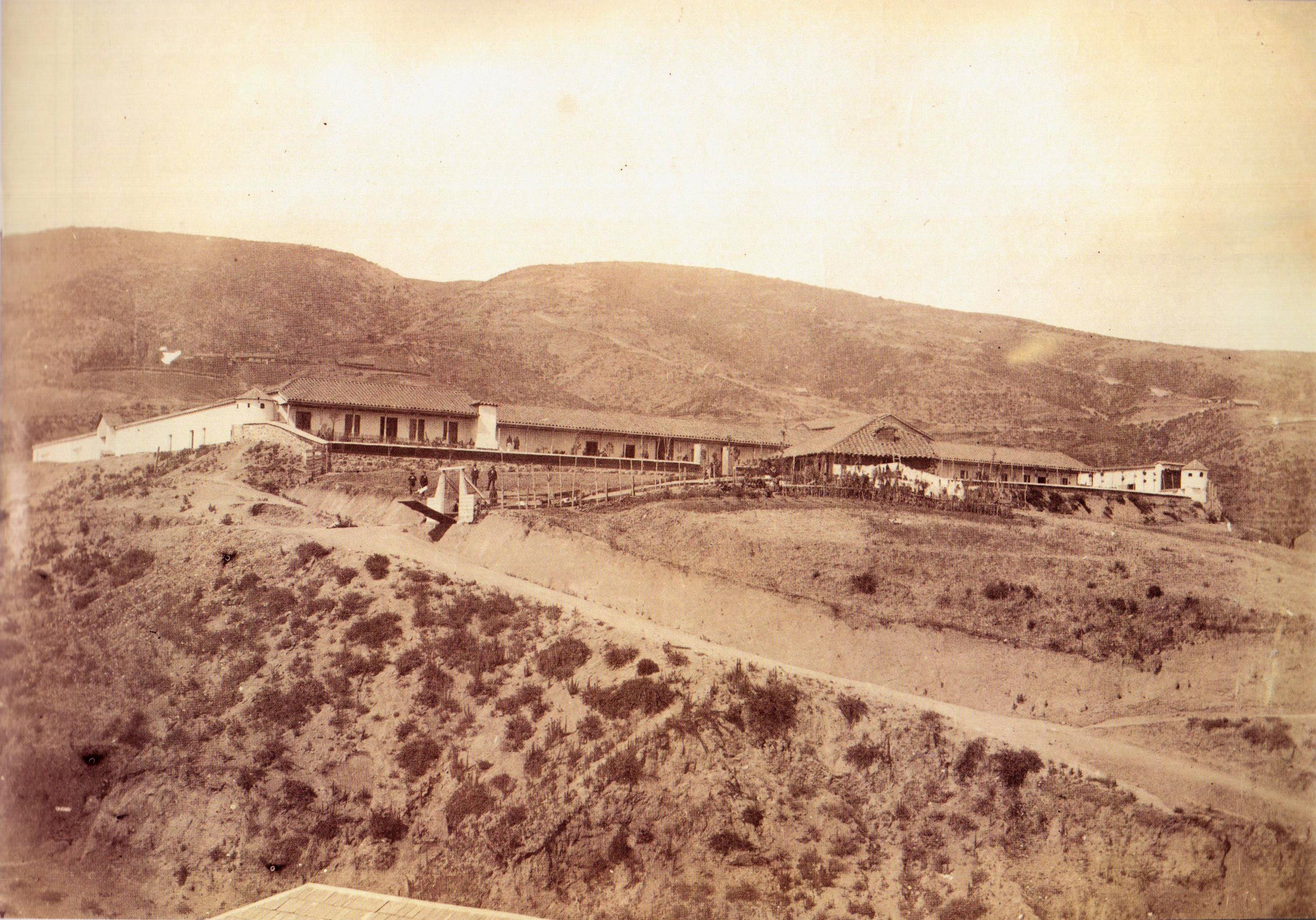 Enterreno - Fotos históricas de chile - fotos antiguas de Chile - Carcel de Valparaíso en el Cerro Cárcel, 1863