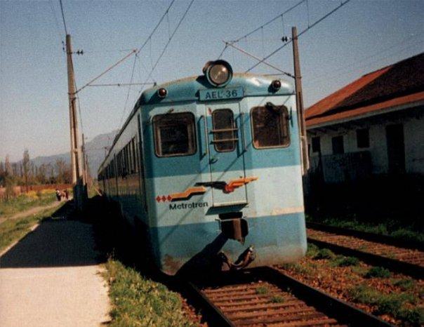 Enterreno - Fotos históricas de chile - fotos antiguas de Chile - Estación Linderos en 1990