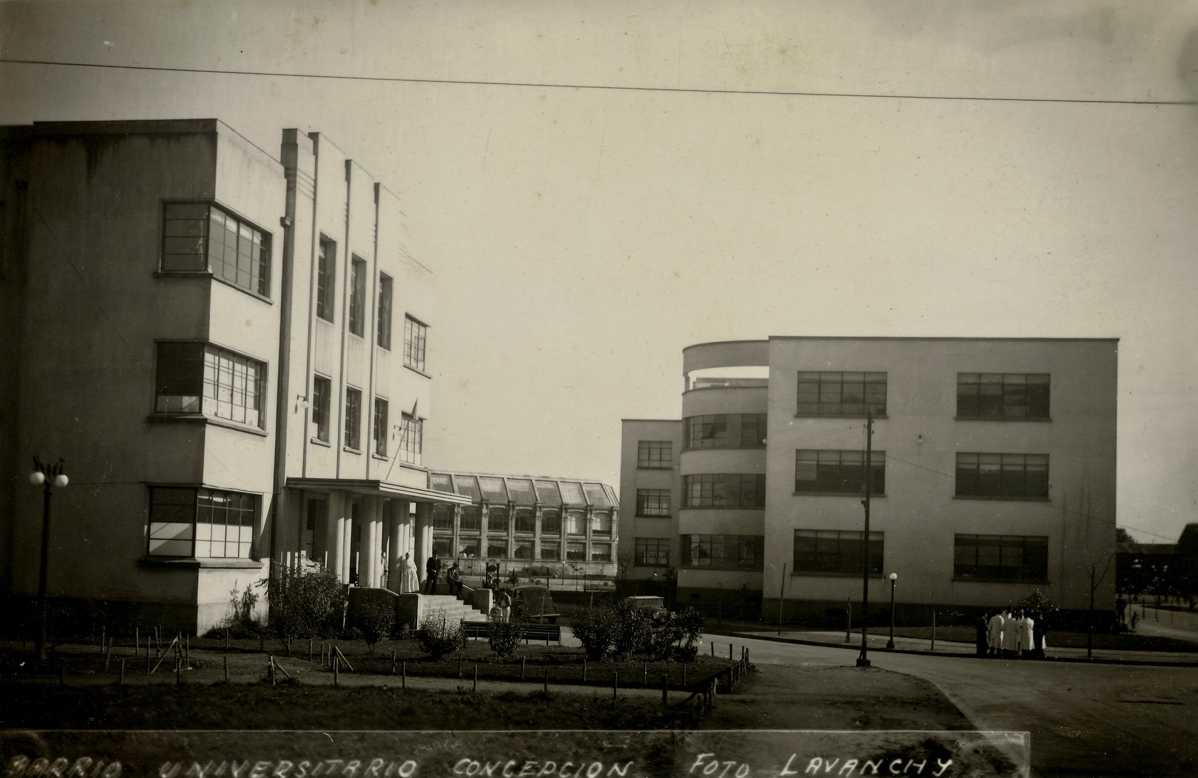 Enterreno - Fotos históricas de chile - fotos antiguas de Chile - Facultades de la Universidad de Concepción en 1938