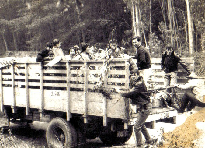 Enterreno - Fotos históricas de chile - fotos antiguas de Chile - Paseo en  camión en 1963
