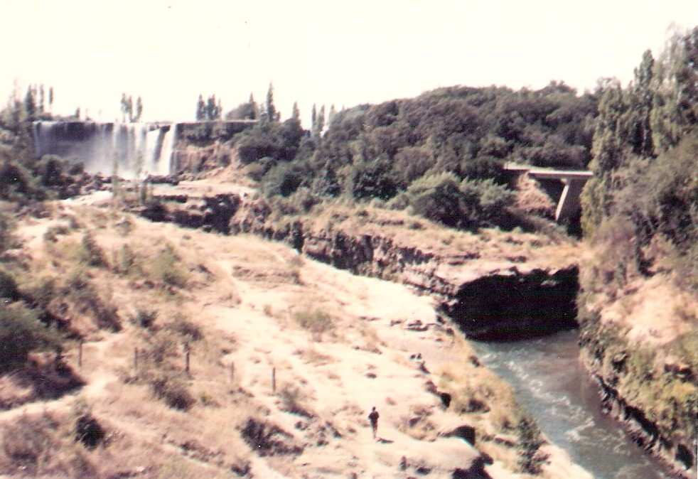 Enterreno - Fotos históricas de chile - fotos antiguas de Chile - Salto del Laja, ene 1971